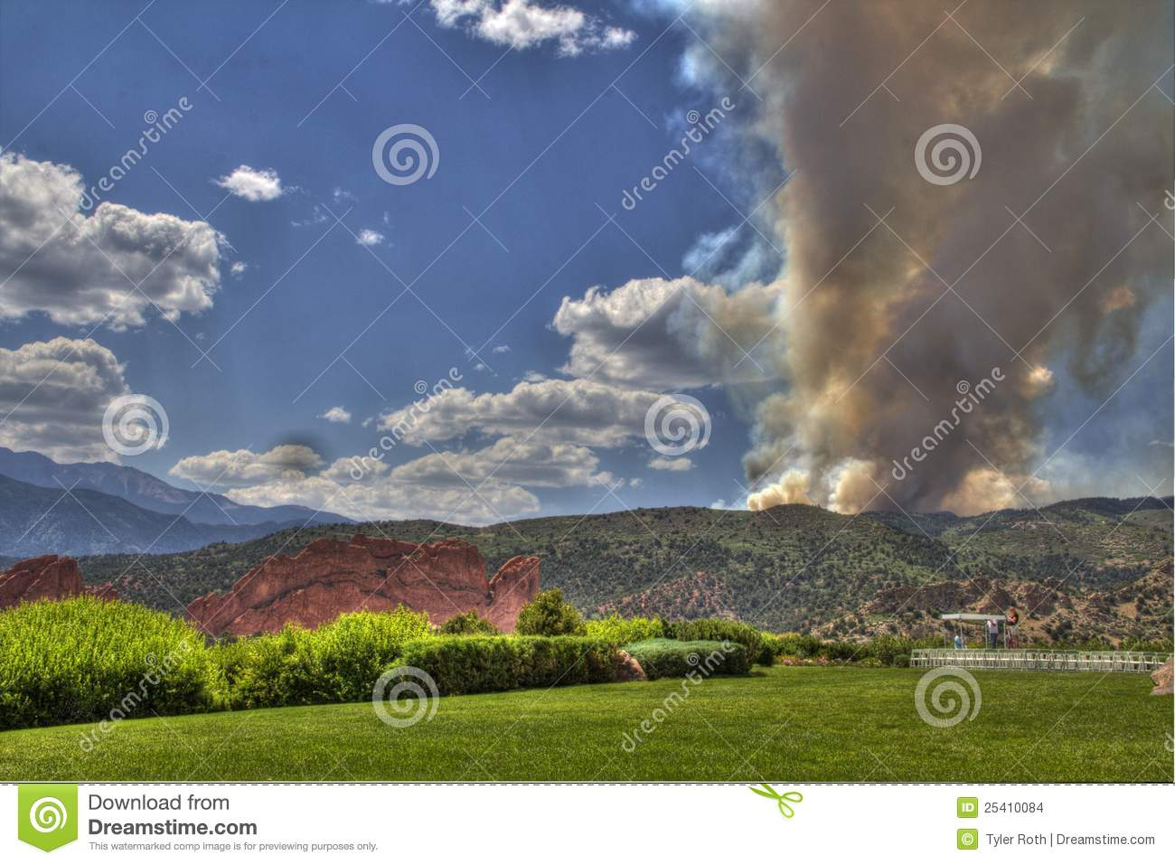 wild fire broke out west of Garden of the Gods in Waldo Canyon. http