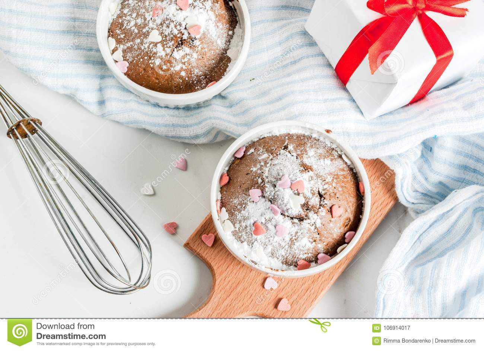 Walentynki ` s dnia kubka tort