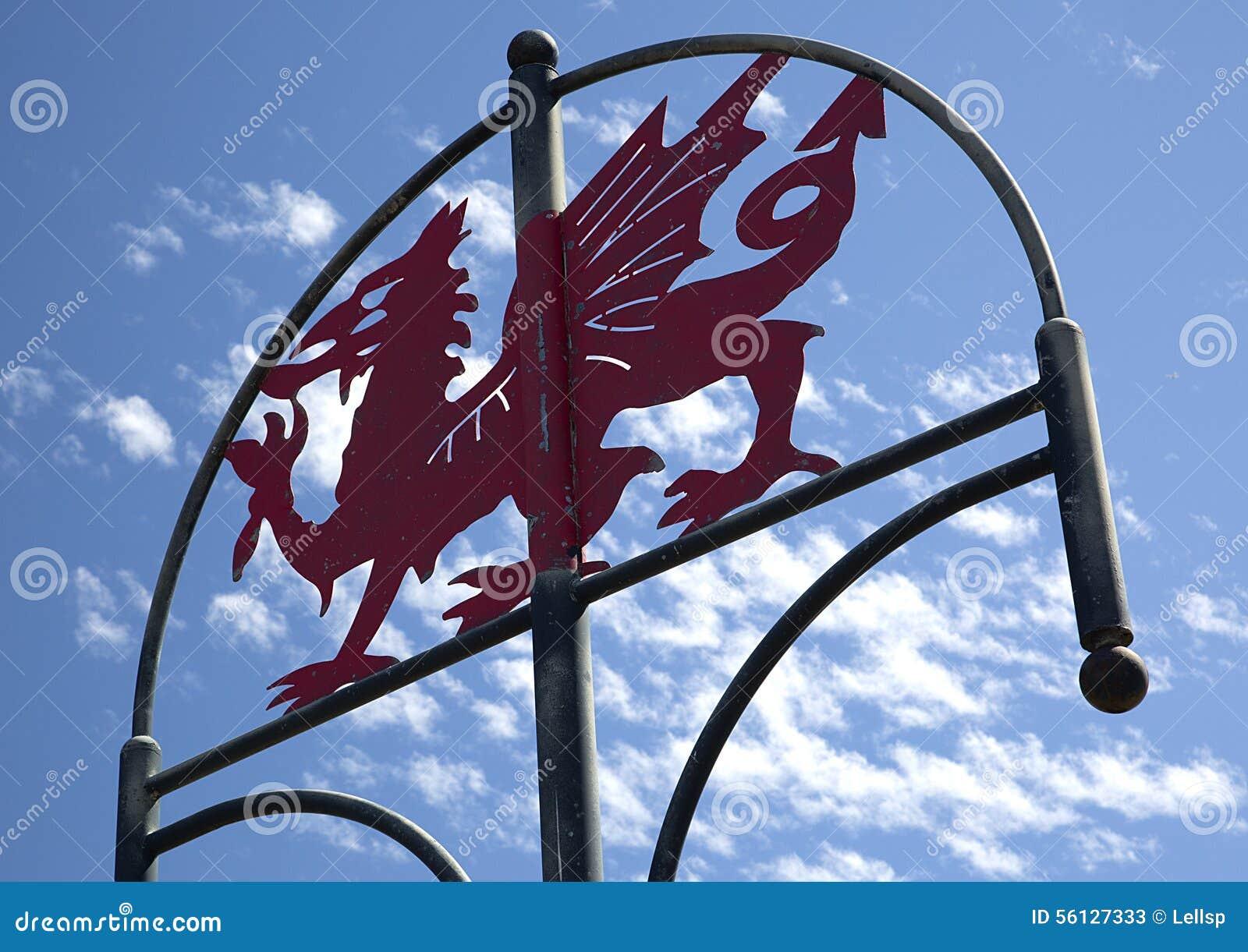Walijski smoka znak, milenium Nabrzeżna ścieżka, Llanelli, południowe walie