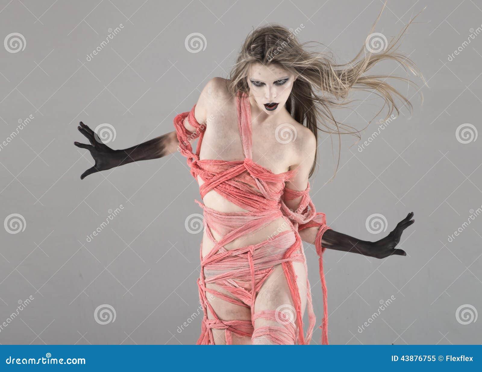 The walking dead scary girl