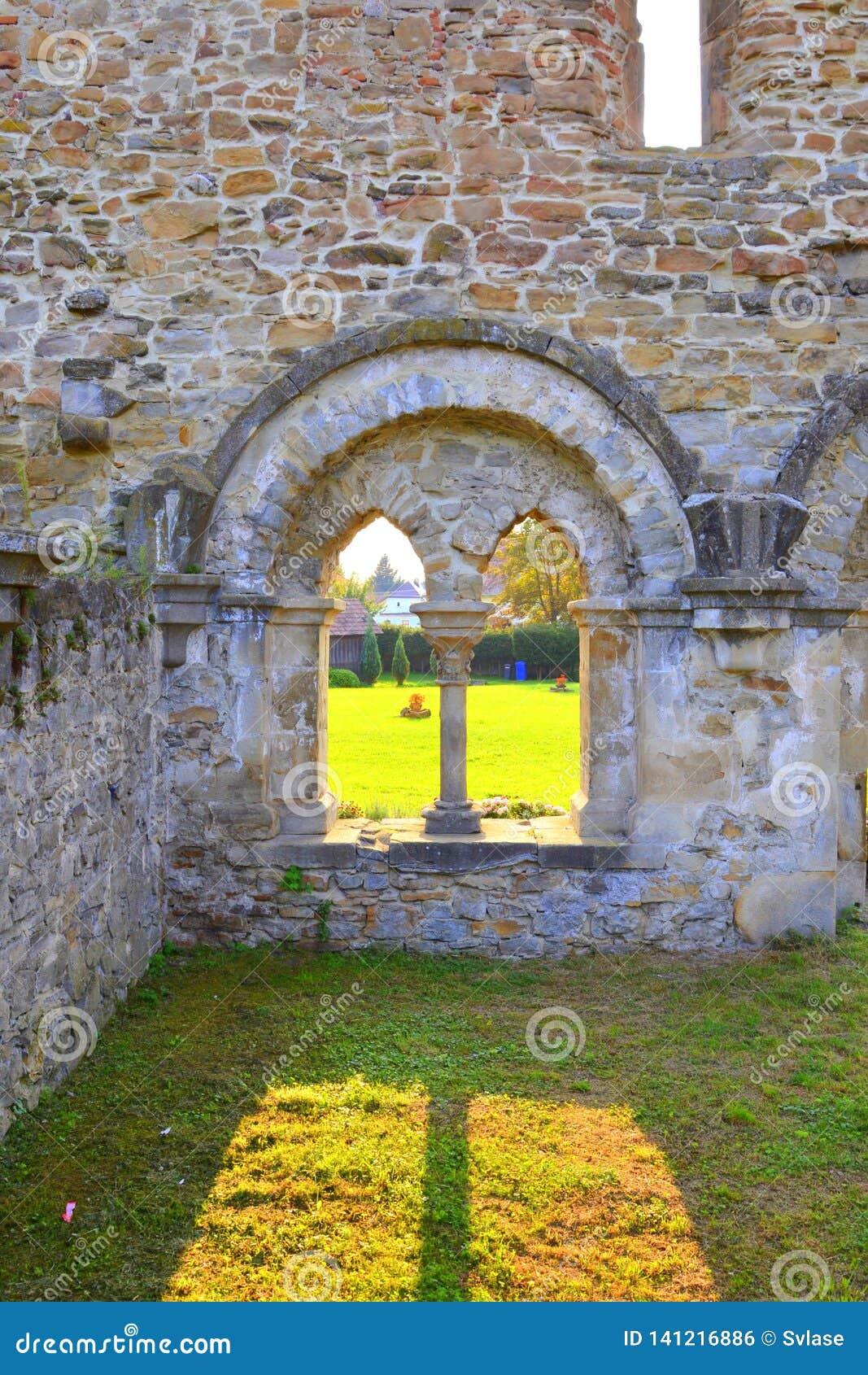 Walpole Ruiny średniowieczny cistercian opactwo w Transylvania , Rumunia