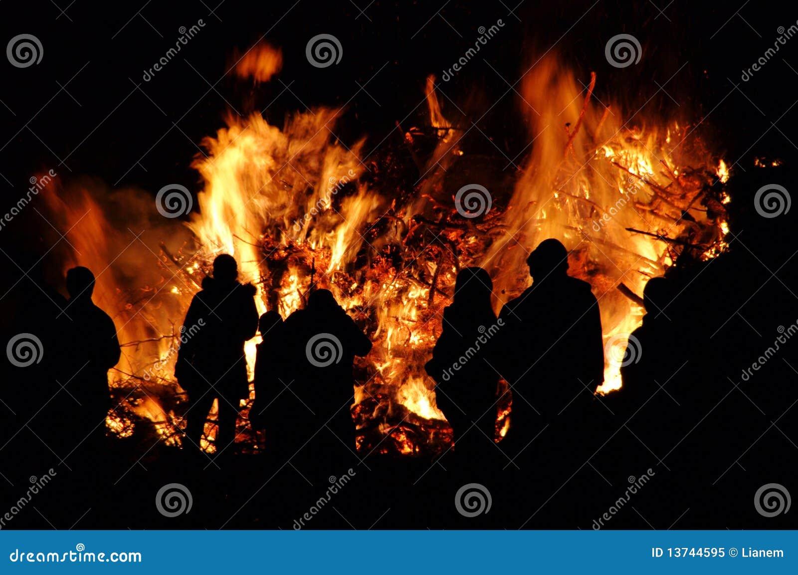Walpurgisnachtfeuer