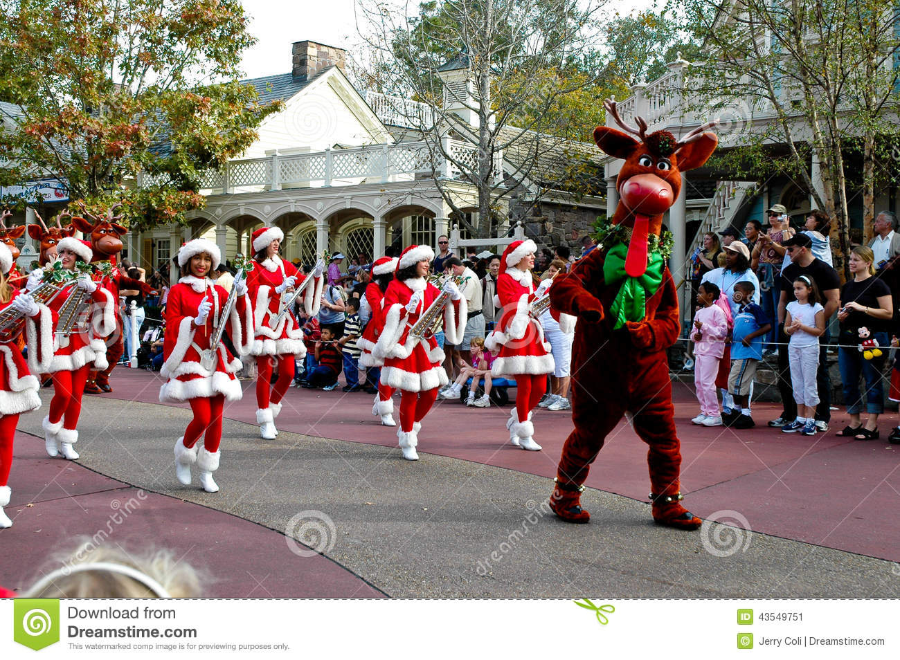 Walt Disney World Christmas Parade Editorial Photo - Image: 43549751