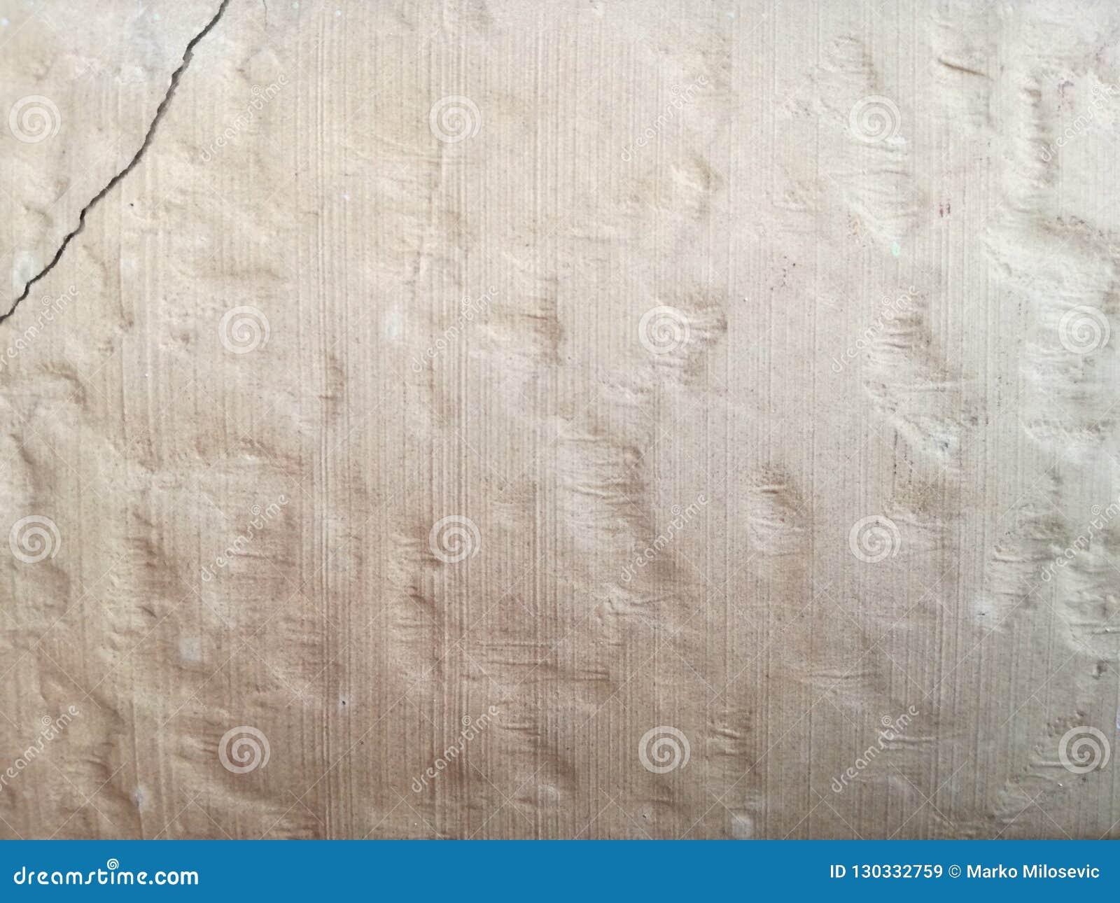 Wand mit Sprung