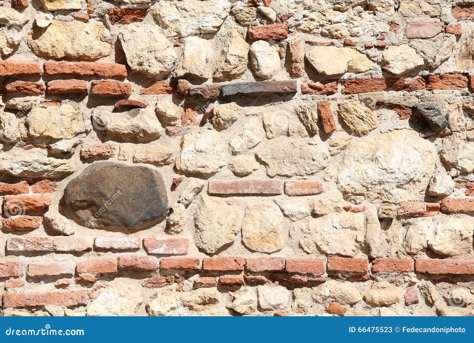 wand von steinen und von roten backsteinen mit kalk und zement stockfoto bild 66475523. Black Bedroom Furniture Sets. Home Design Ideas