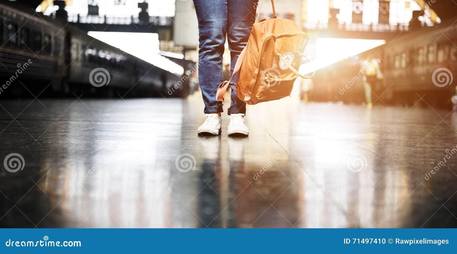 Wanderer-Abfahrt-Wanderlust-Reise-Reise-Konzept
