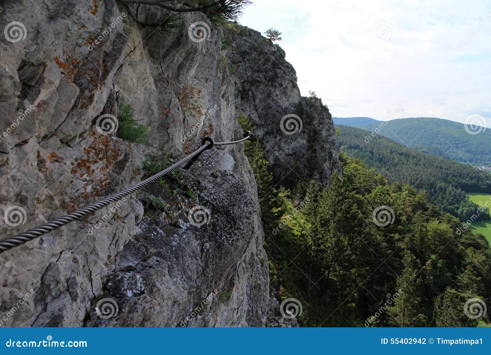 Pittentaler Klettersteig : Wanderer auf pittentaler klettersteig stockfoto bild von