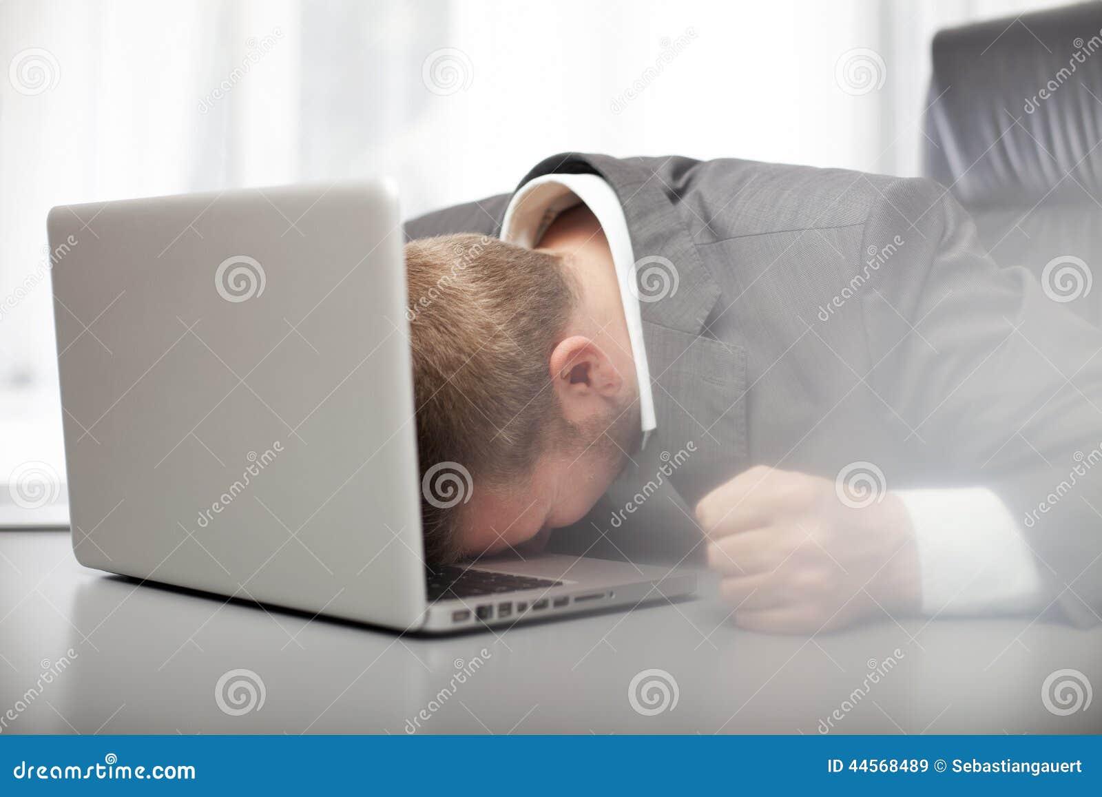 Wanhopige gedeprimeerde zakenman