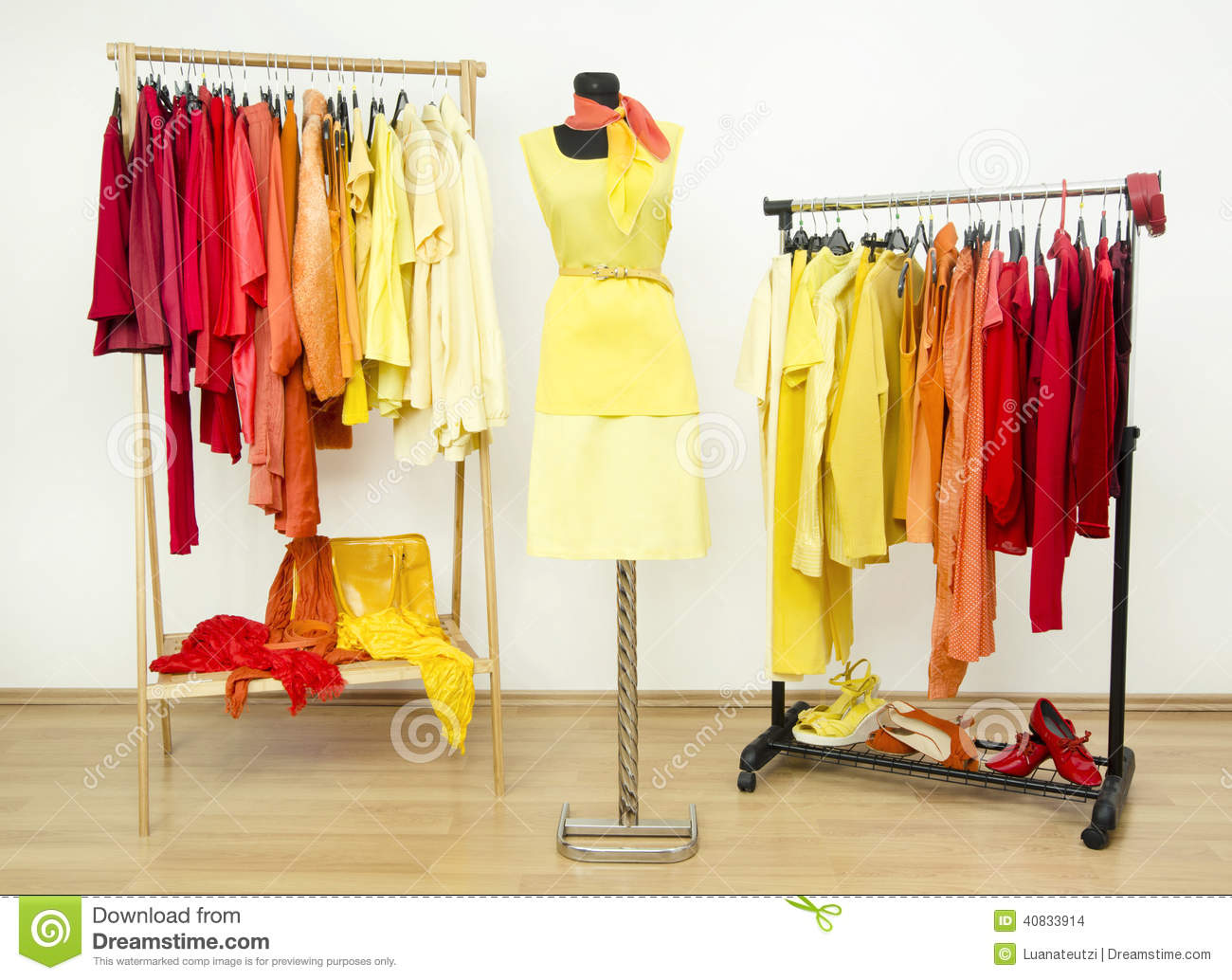 Wardrobe Of Clothes 28 Images Wardrobe Organizing Tips Organize This Store Summer Clothes