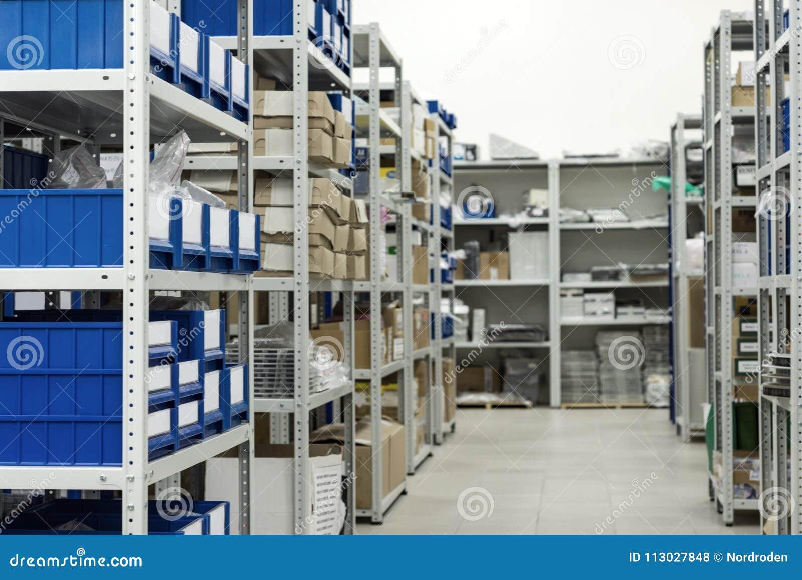 Warehouse de los componentes para la industria de electrónica