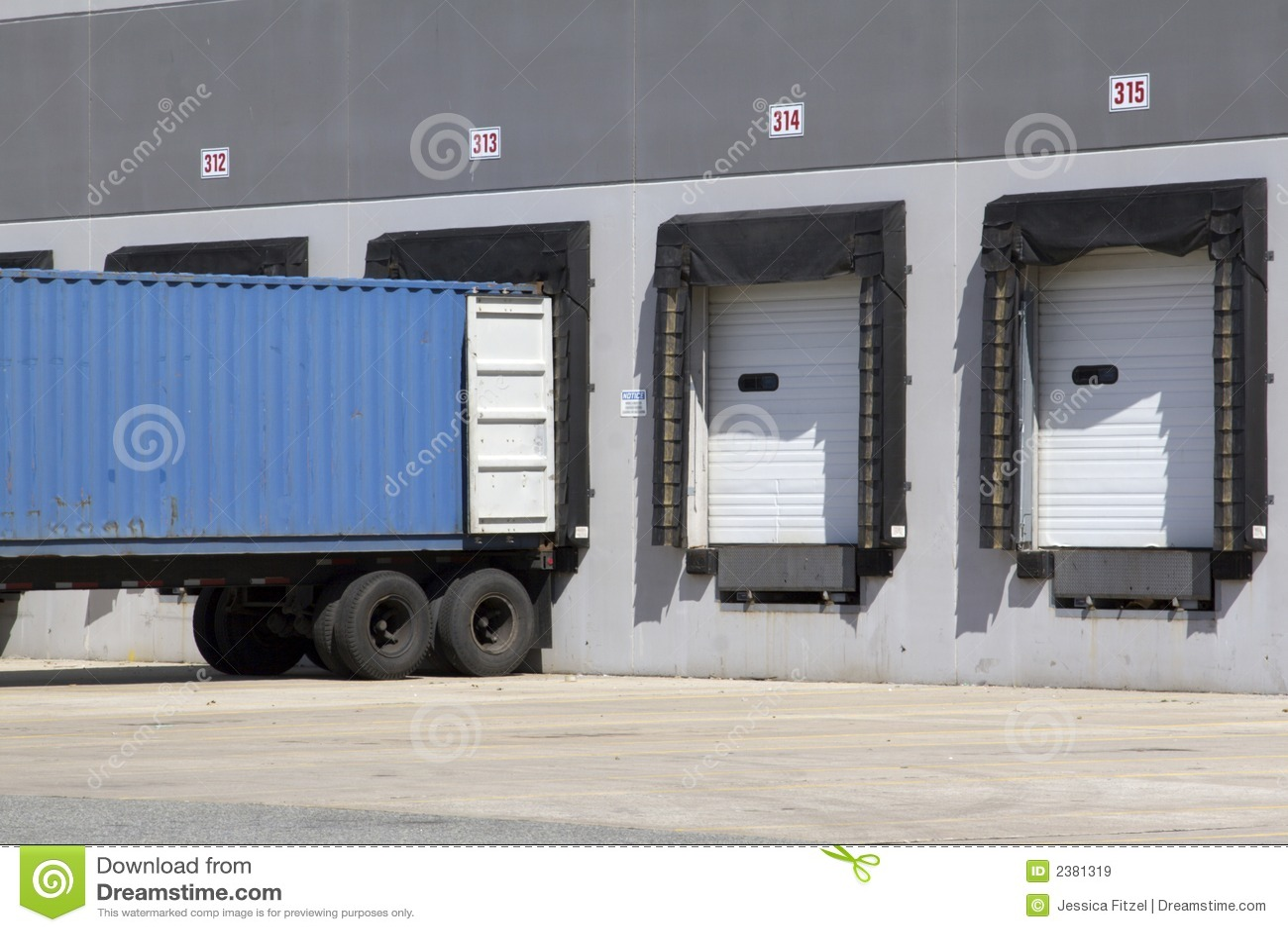 Warehouse truck loading
