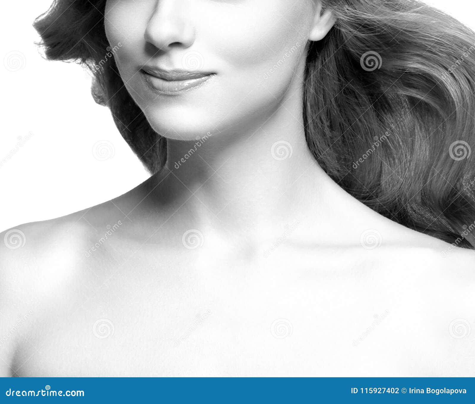 Wargi i cheen Piękno kobiety twarzy portret czarny white bea