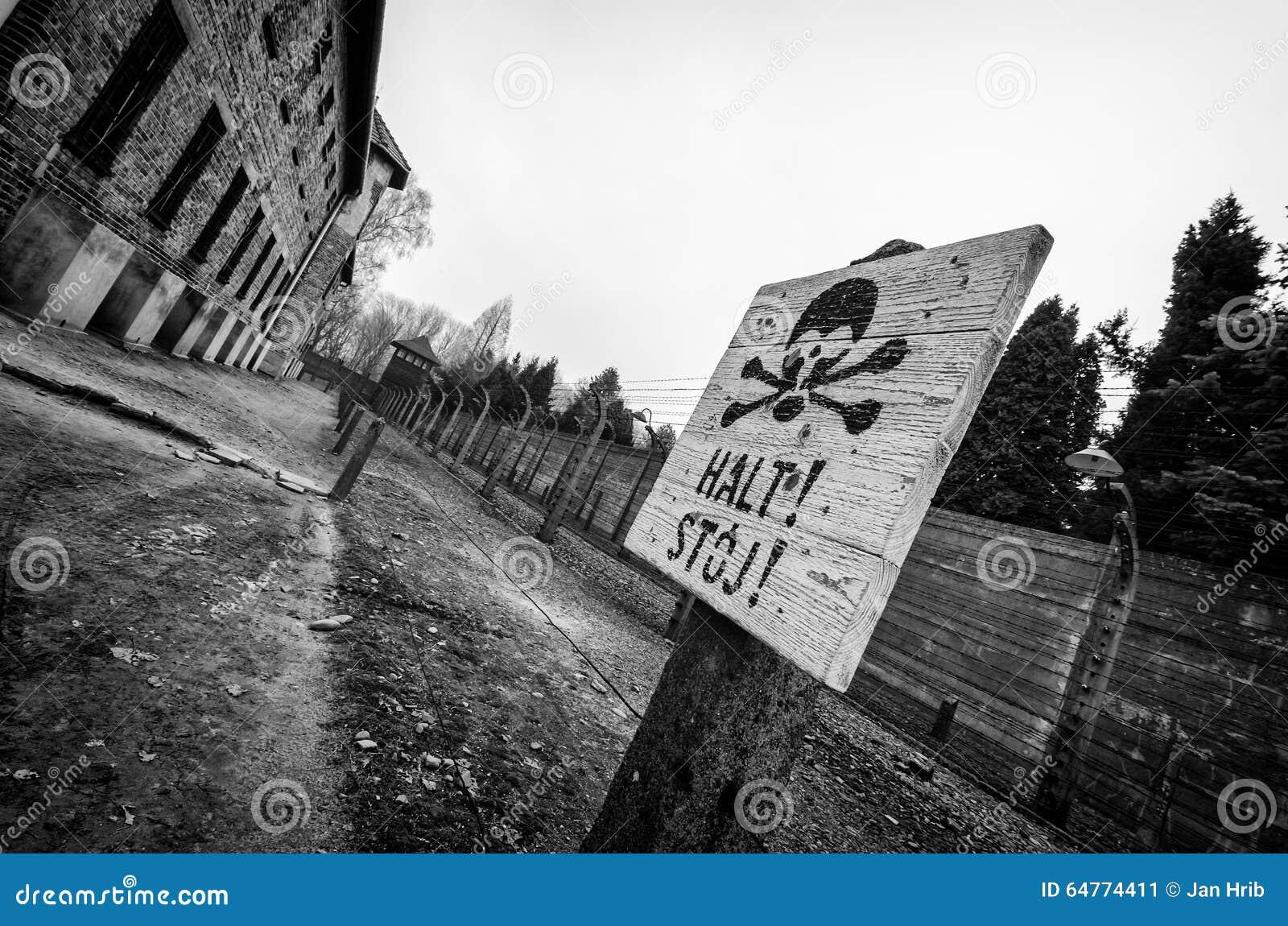 Warining Zeichen Auschwitz