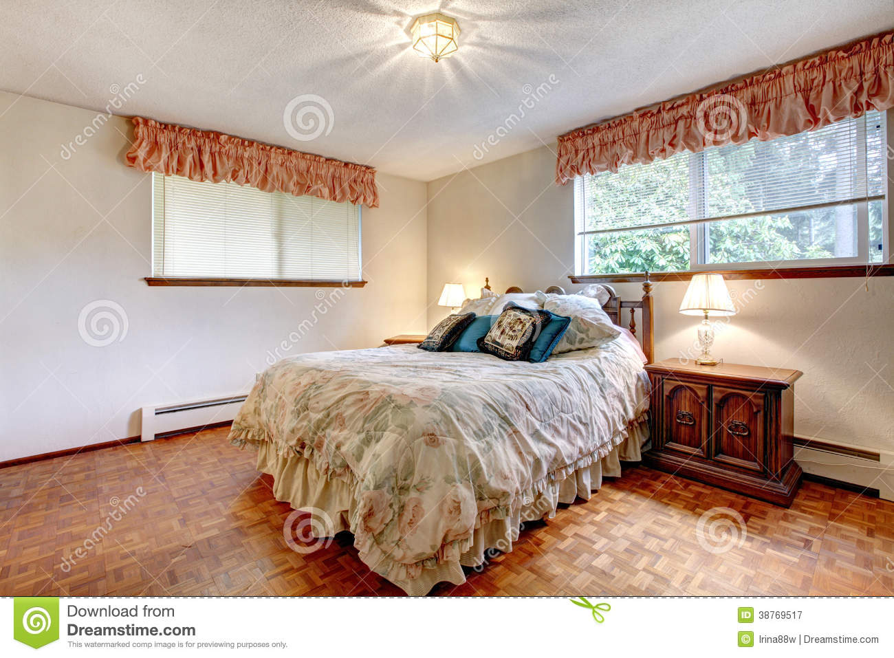 Warm Colors Cozy Bedroom Royalty Free Stock Photography