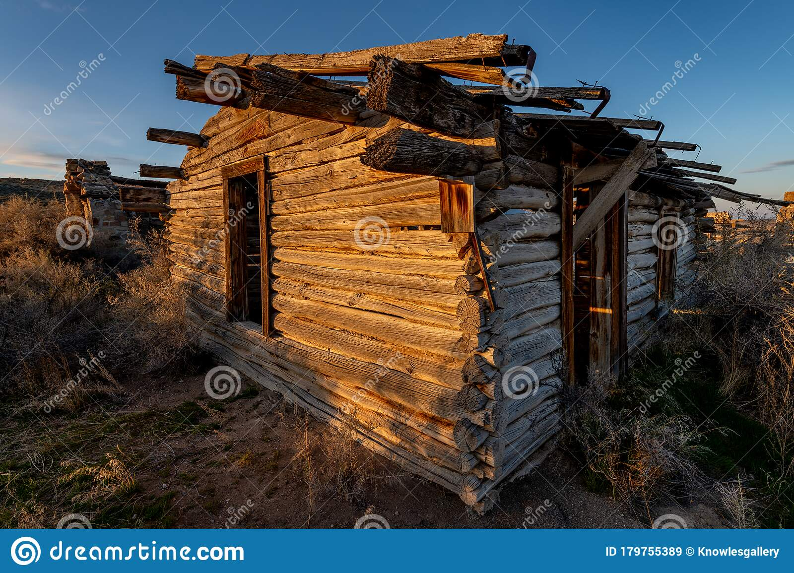 Image of: The Warm Light Of Sunset Paints A Rustic Log Cabin Stock Image Image Of Outdoor Building 179755389