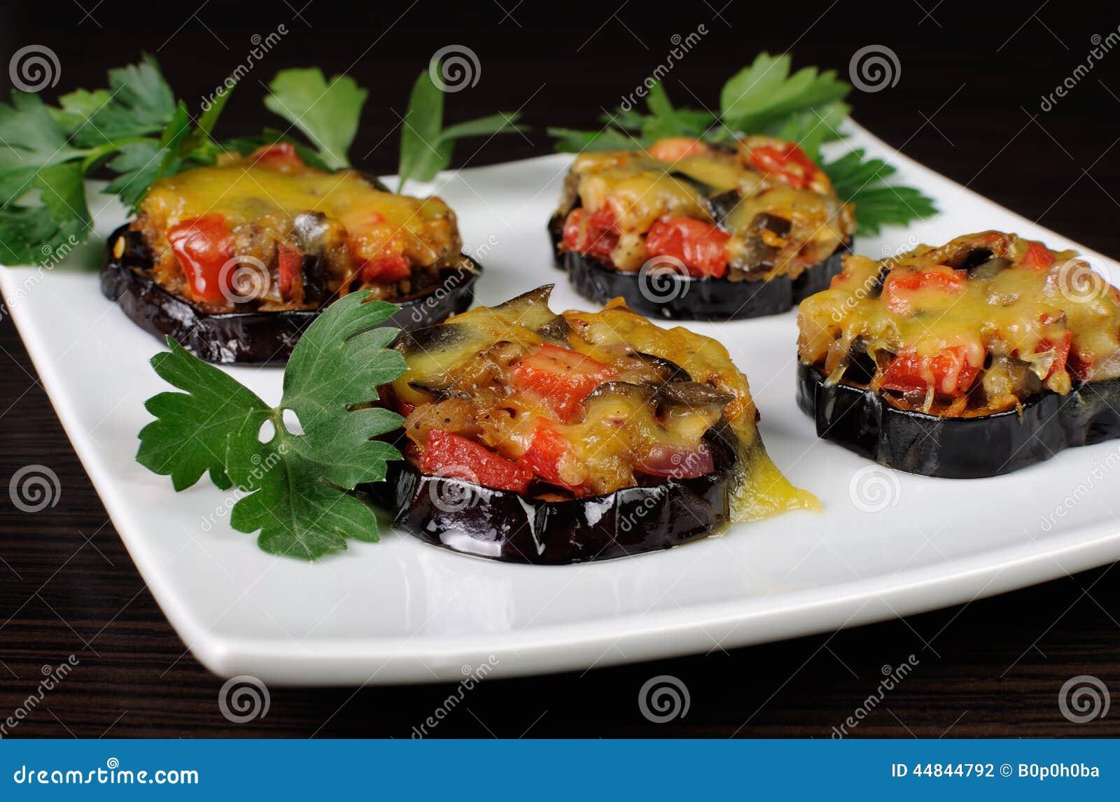 Warm voorgerecht van aubergine onder kaas stock foto afbeelding 44844792 - Ideeen van voorgerecht ...