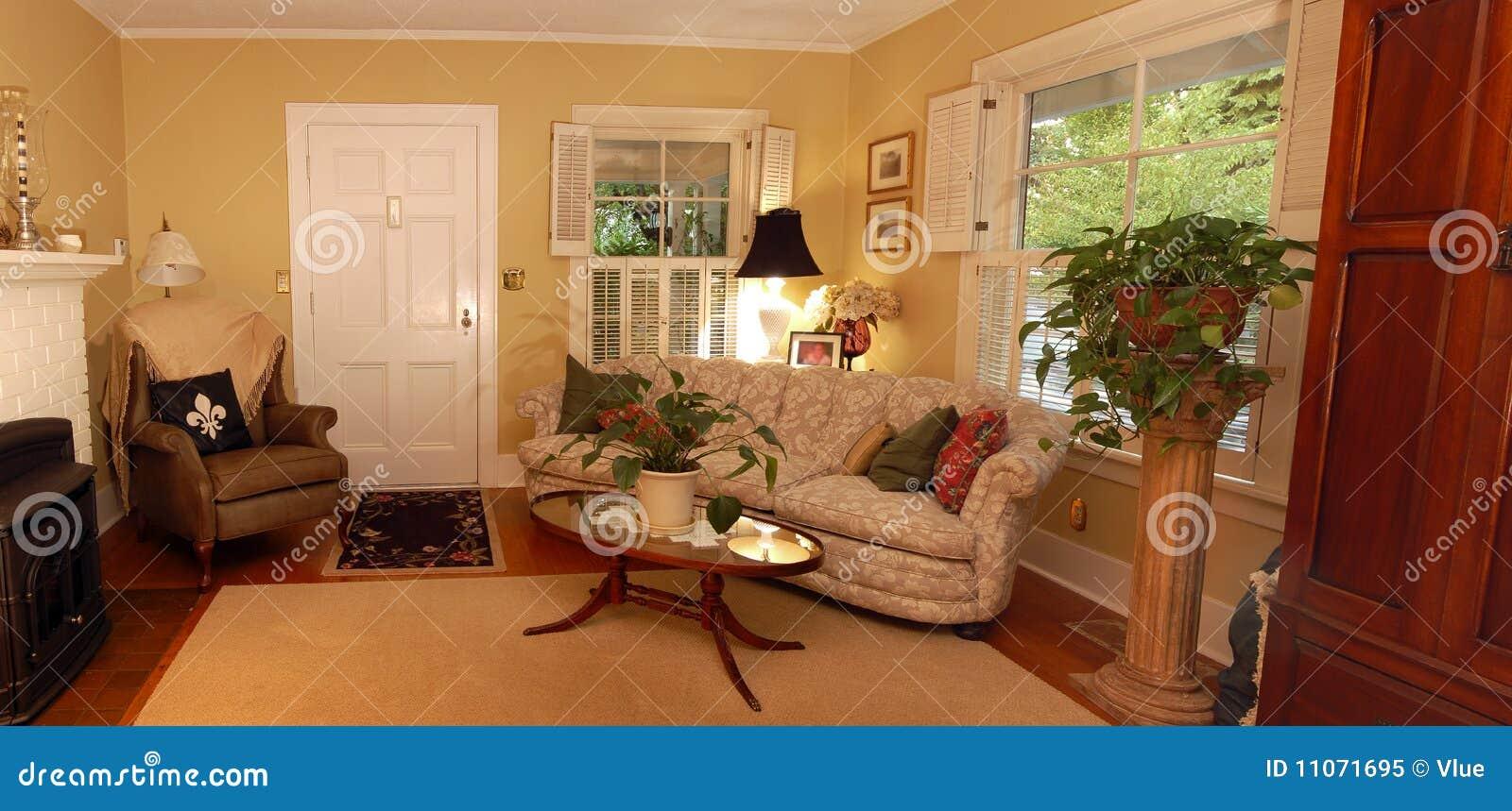 Warmes Wohnzimmer stockbild. Bild von modern, fenster - 11071695