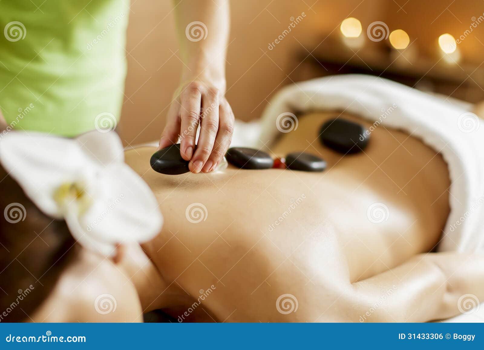 Warmsteinmassagetherapie