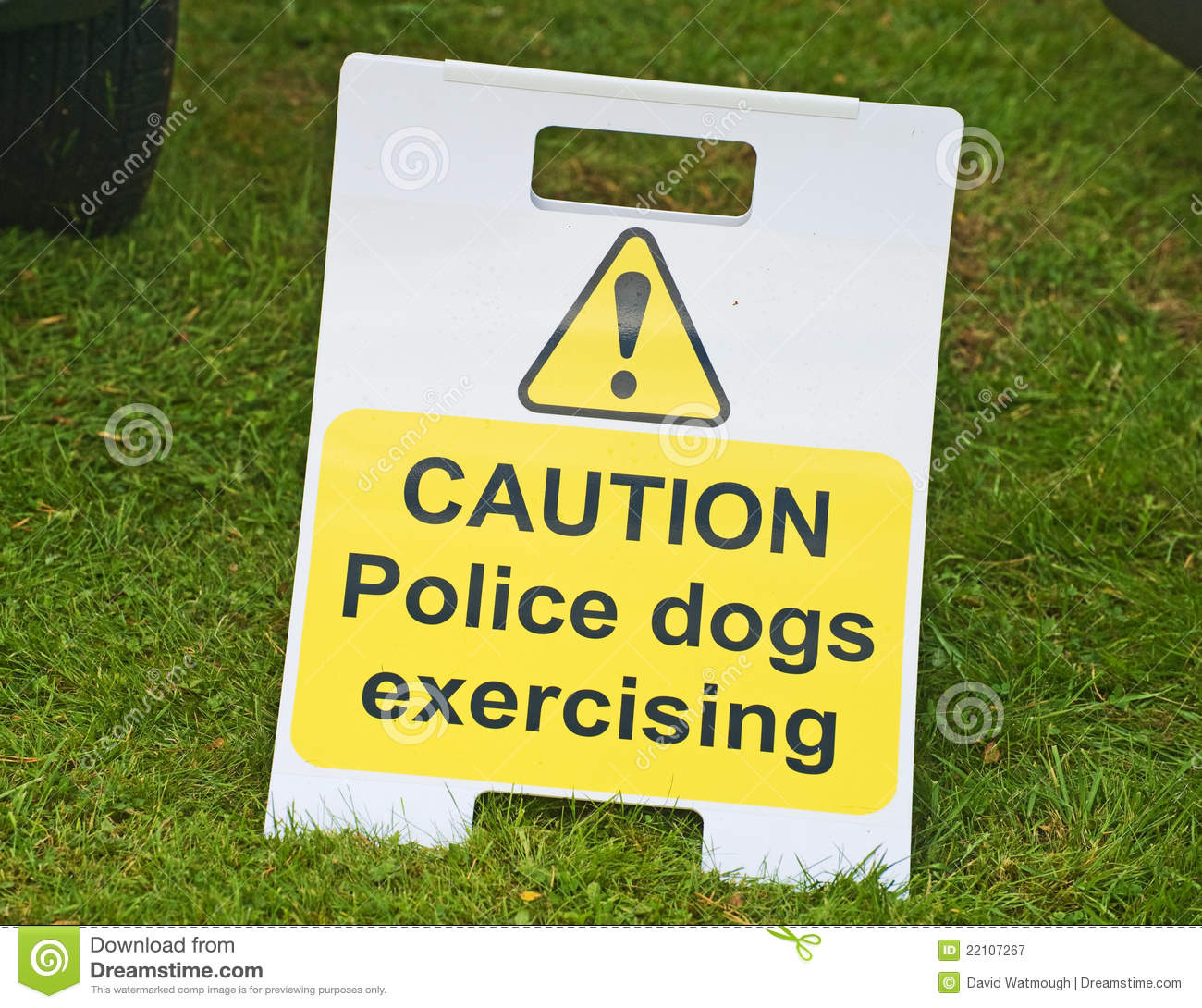 Warning about police dogs.
