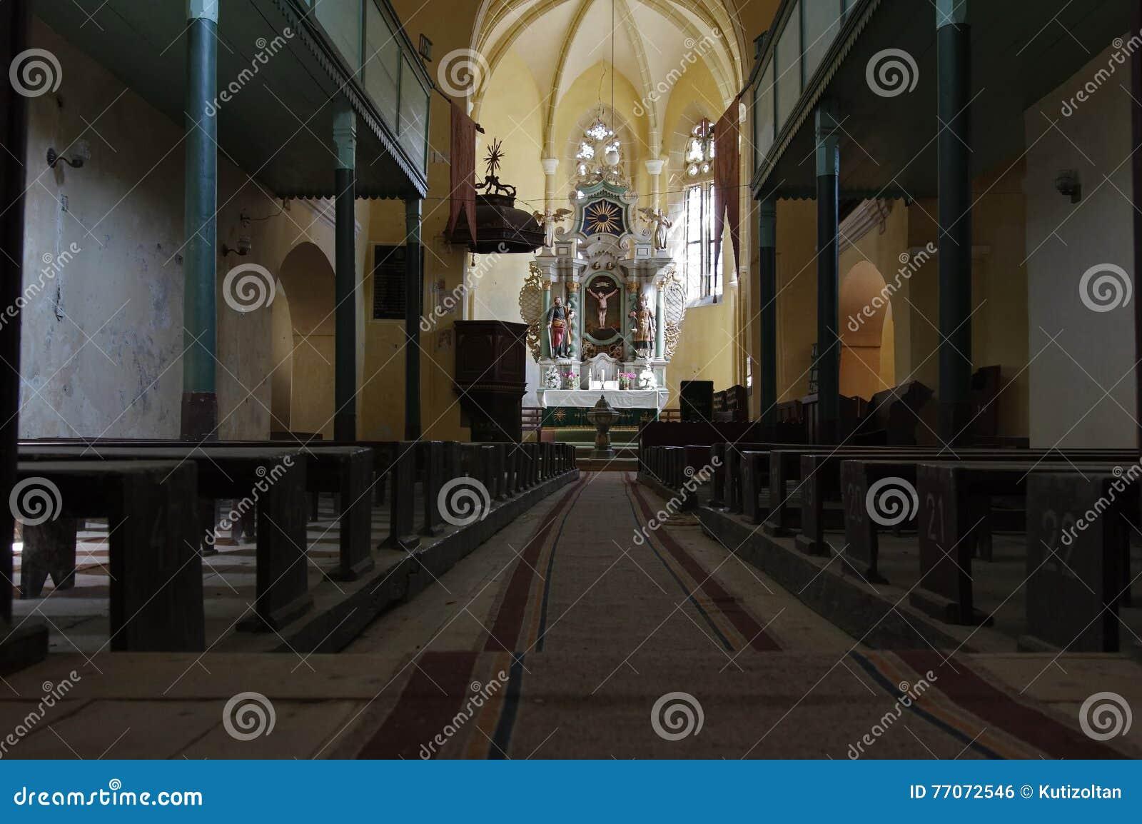 Warowny kościół inside