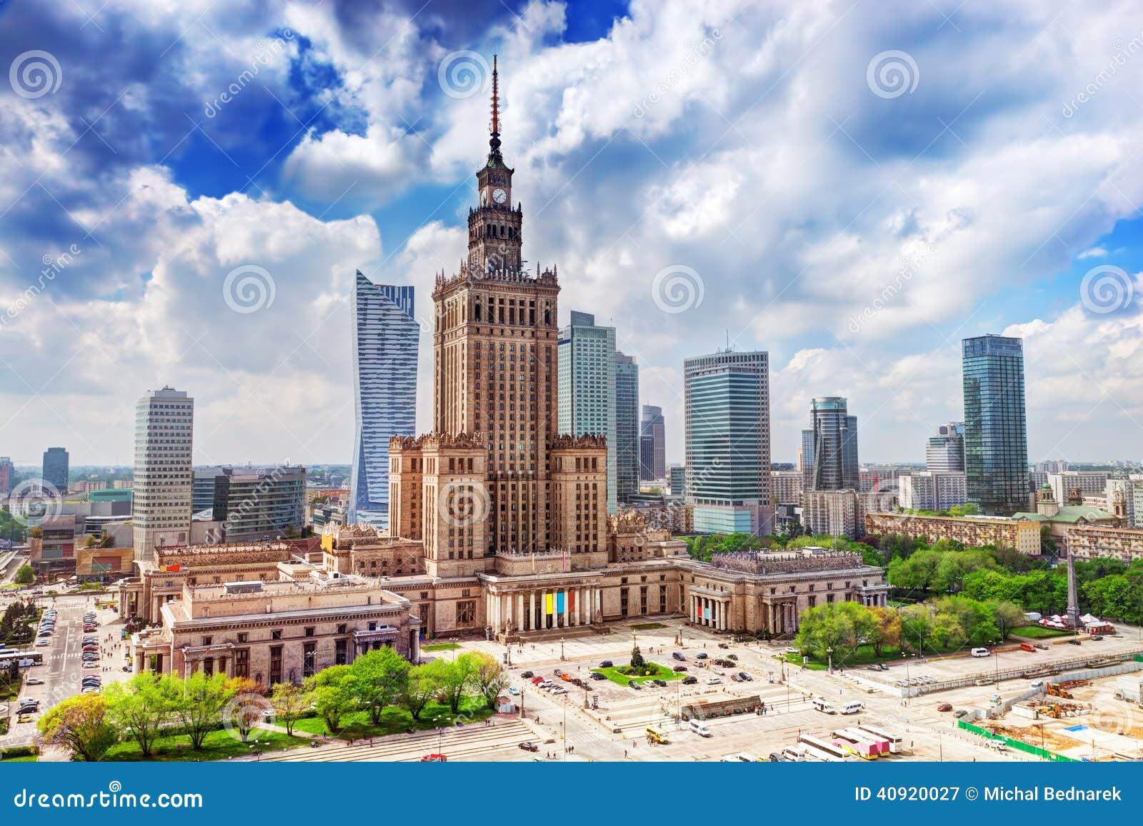 Warsaw Polen Slott av kultur och vetenskap som är i stadens centrum