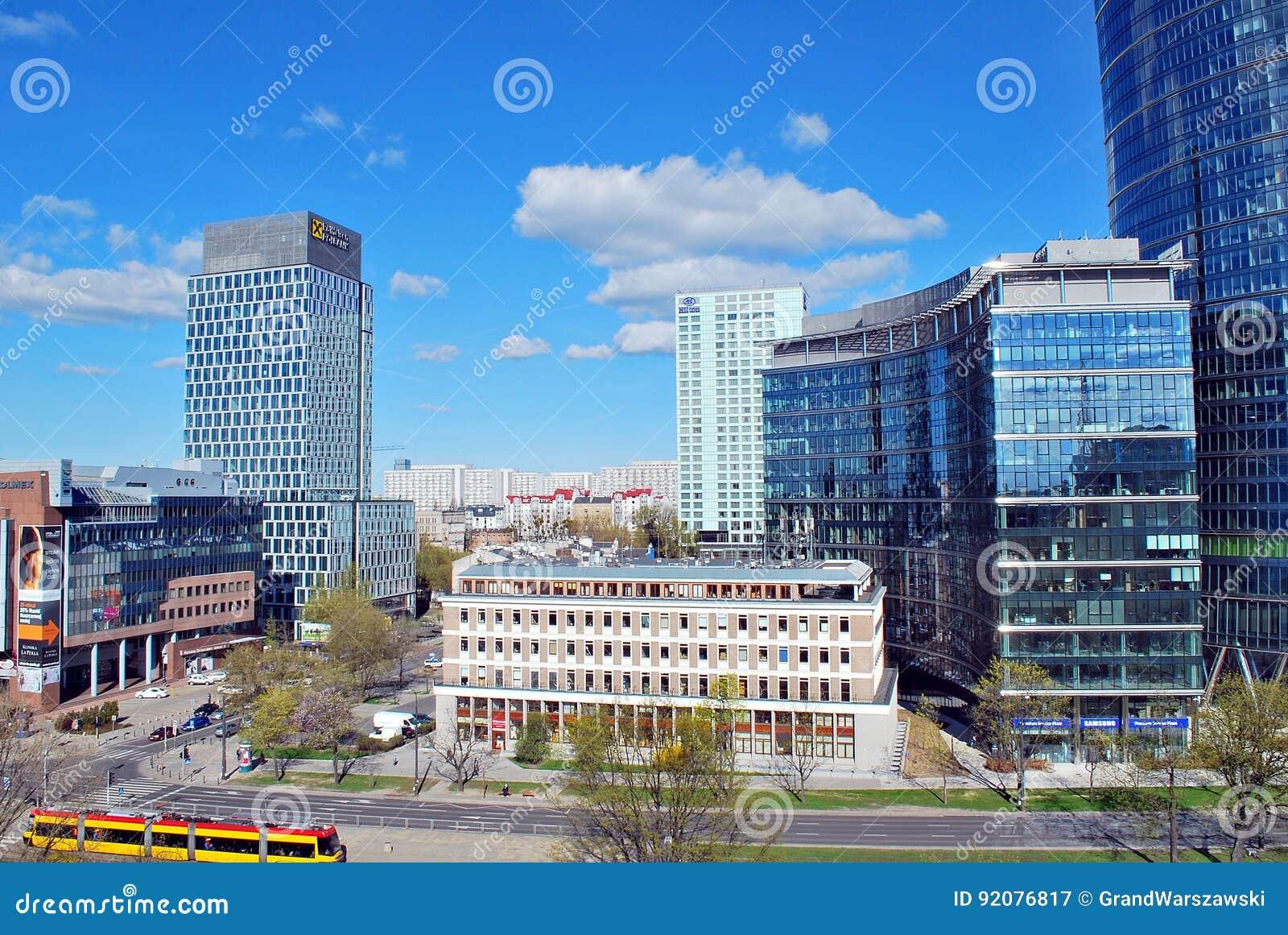 Warszawski iglica budynek biurowy