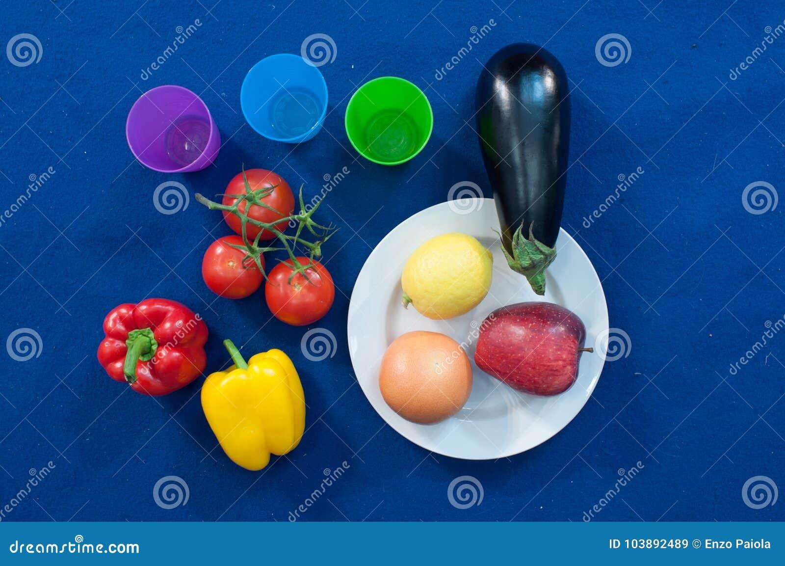 Warzywa i owoc są ważną częścią zdrowa dieta, i rozmaitość znacząco jest jak