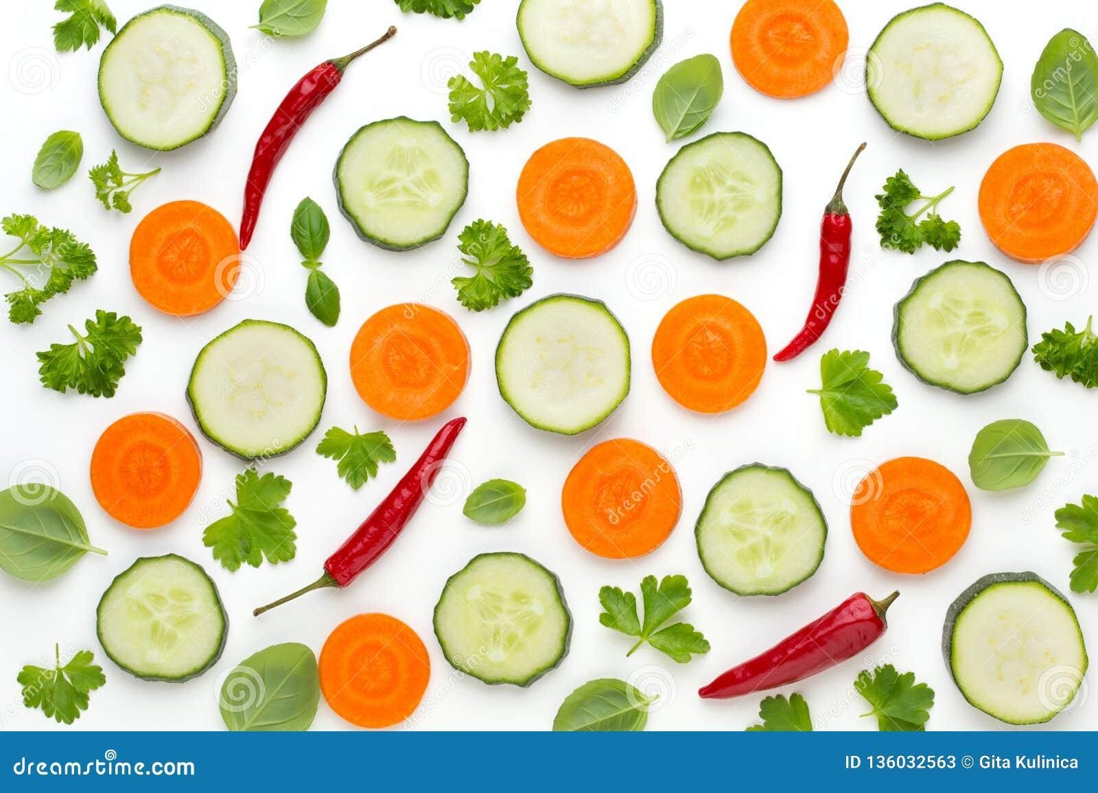 Warzywo i pikantność odizolowywający na białym tle, odgórny widok Tapetowy abstrakcjonistyczny skład warzywa