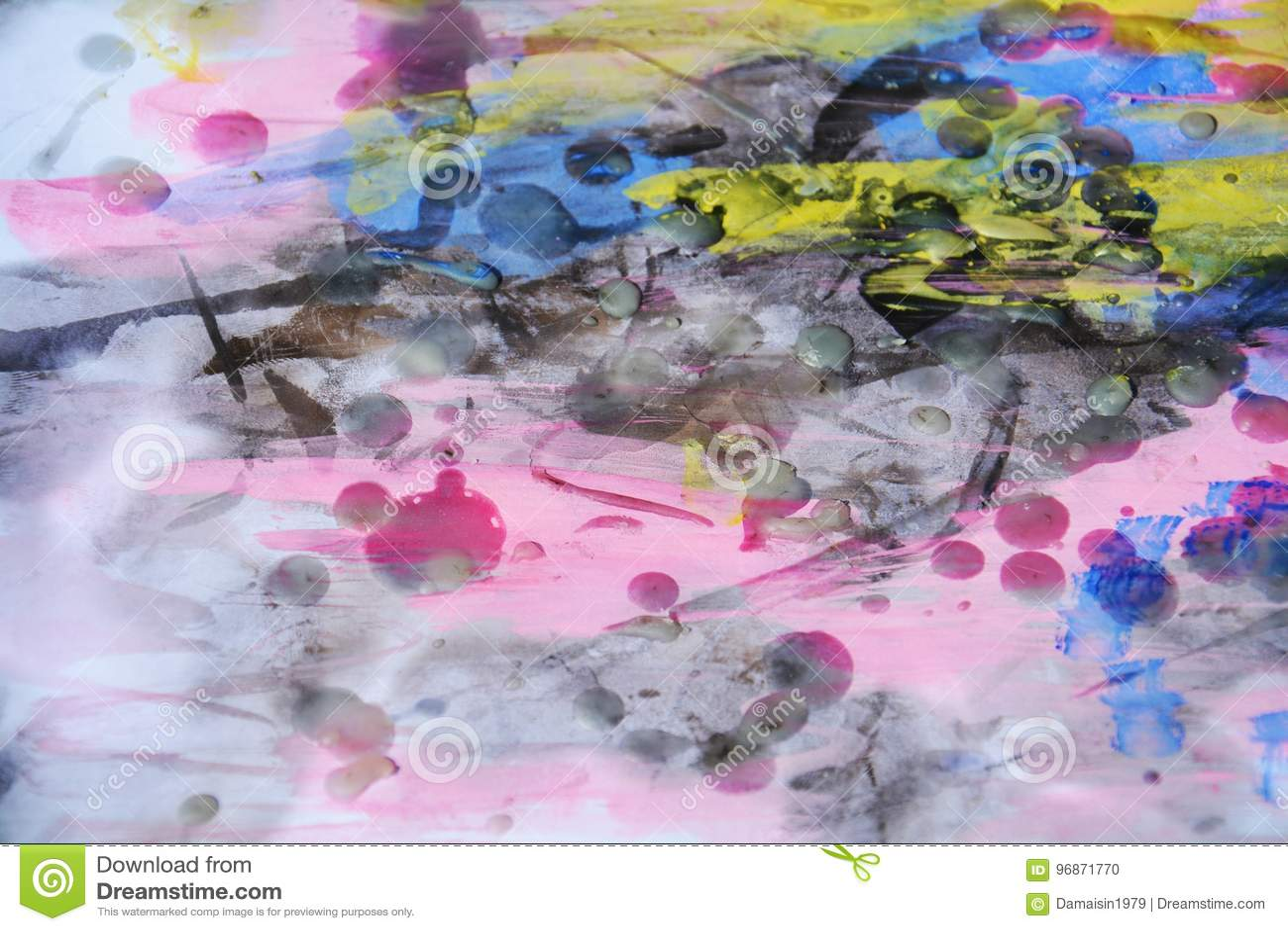 Wasachtige violette waterverf abstracte achtergrond in levendige tinten