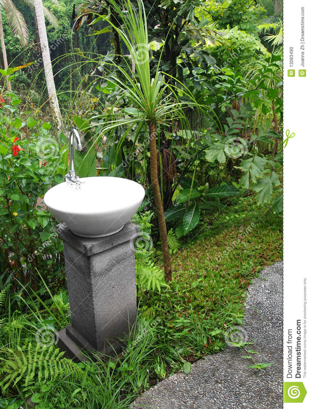 Wash Basin With Tap, Outdoor Garden Stock Photo - Image: 13083490