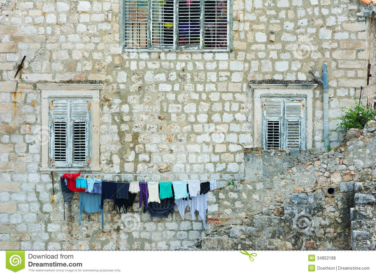 Outside house windows - Washing Line Outside A House In Dubrovnik Royalty Free Stock Photos