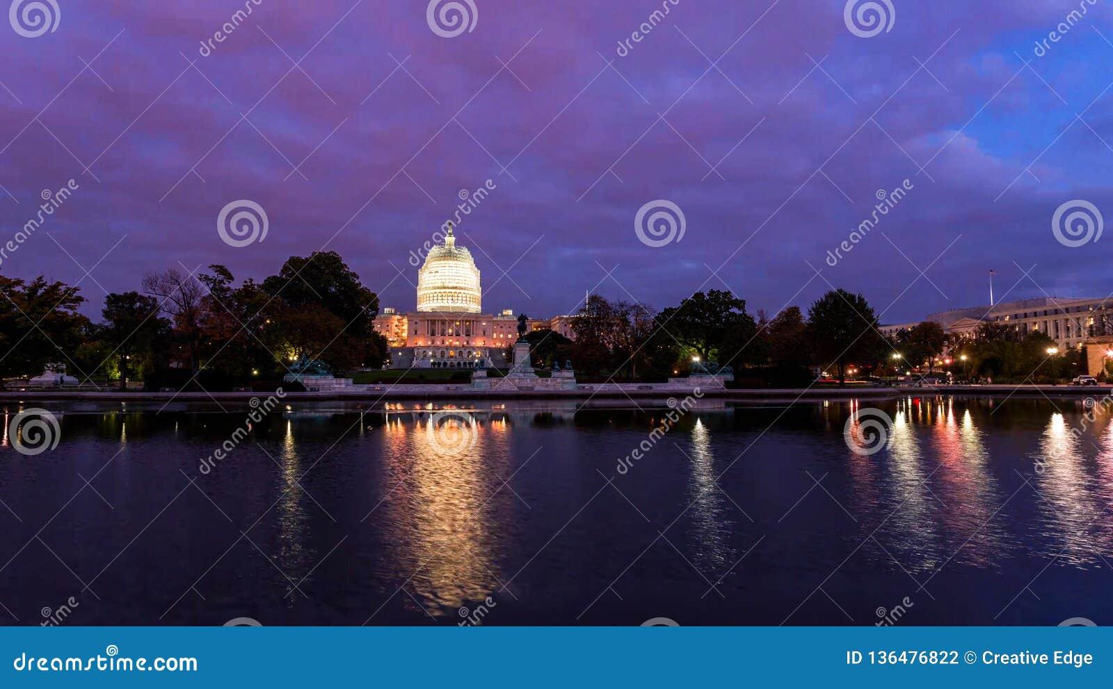 Washington, D C horizon met wegen en monumenten