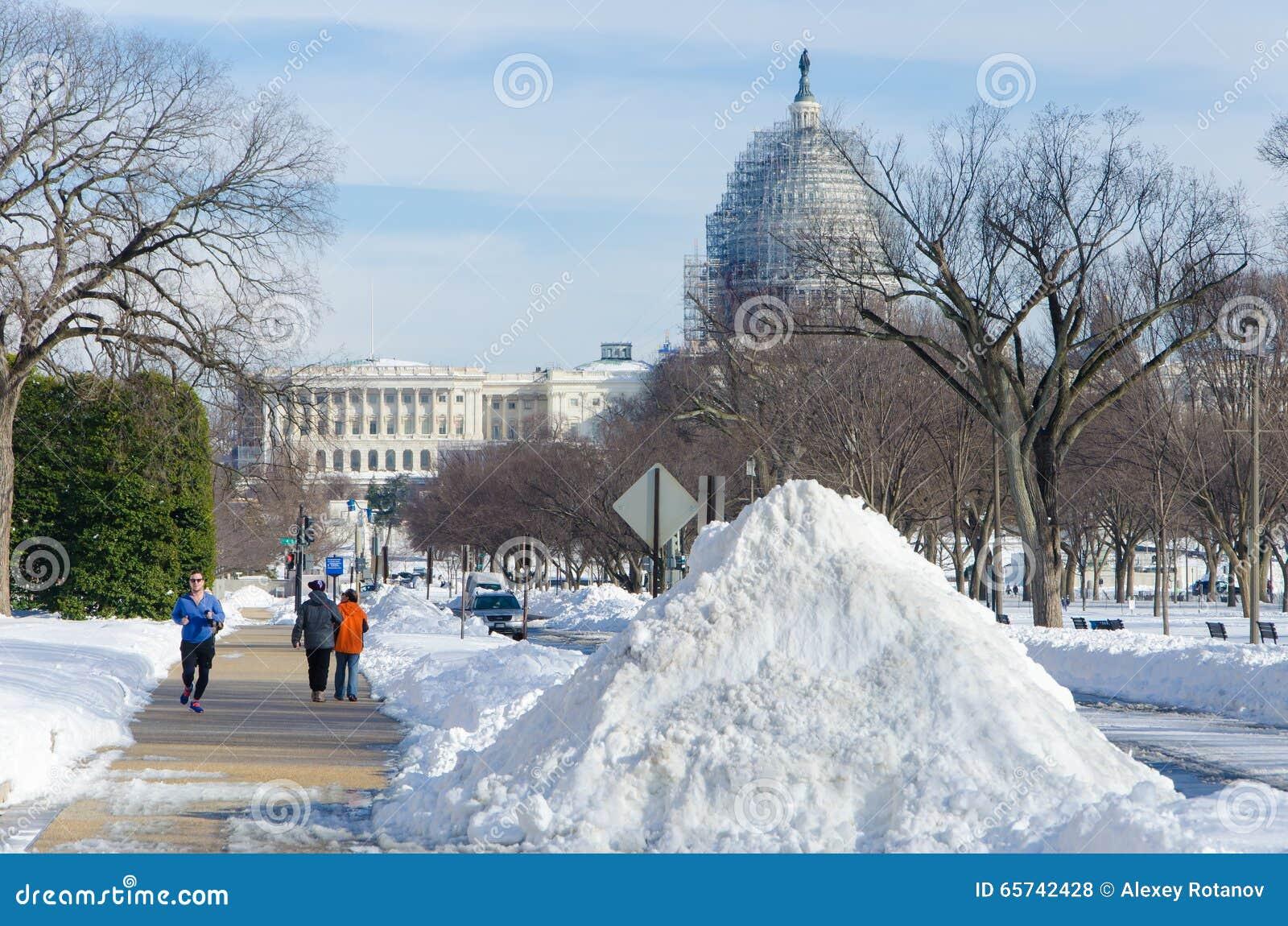 Washington DC após a tempestade da neve, em janeiro de 2016