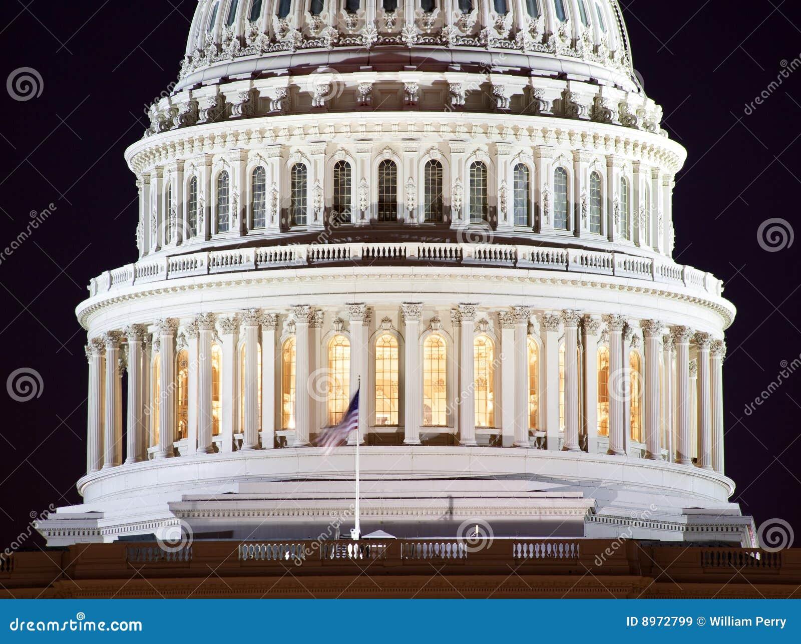 Washington DC da noite do close up da abóbada do Capitólio dos E.U.