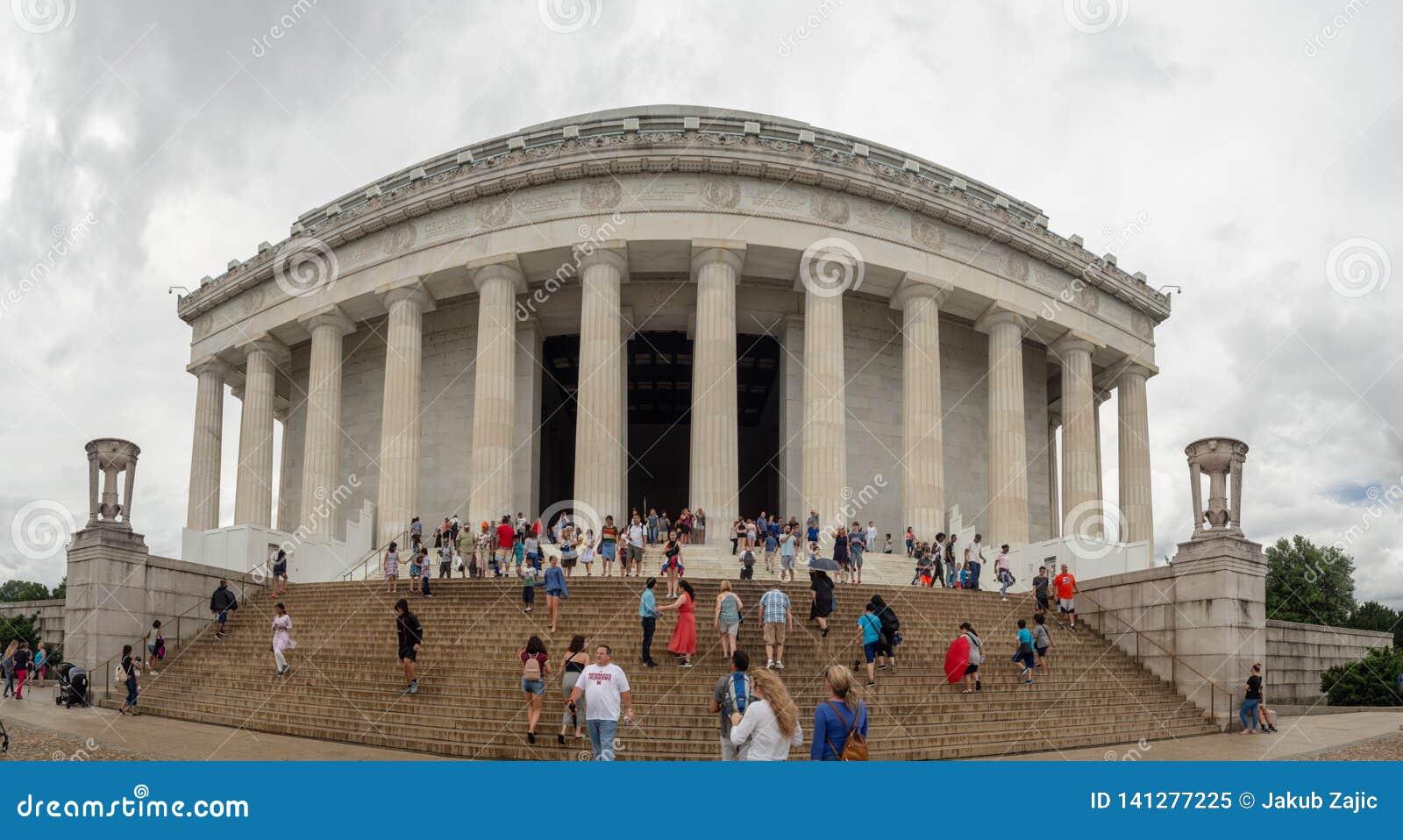 Washington DC, distrito de Columbia [Estados Unidos E.U., Lincoln Memorial sobre a associação da reflexão, interior e exterior,