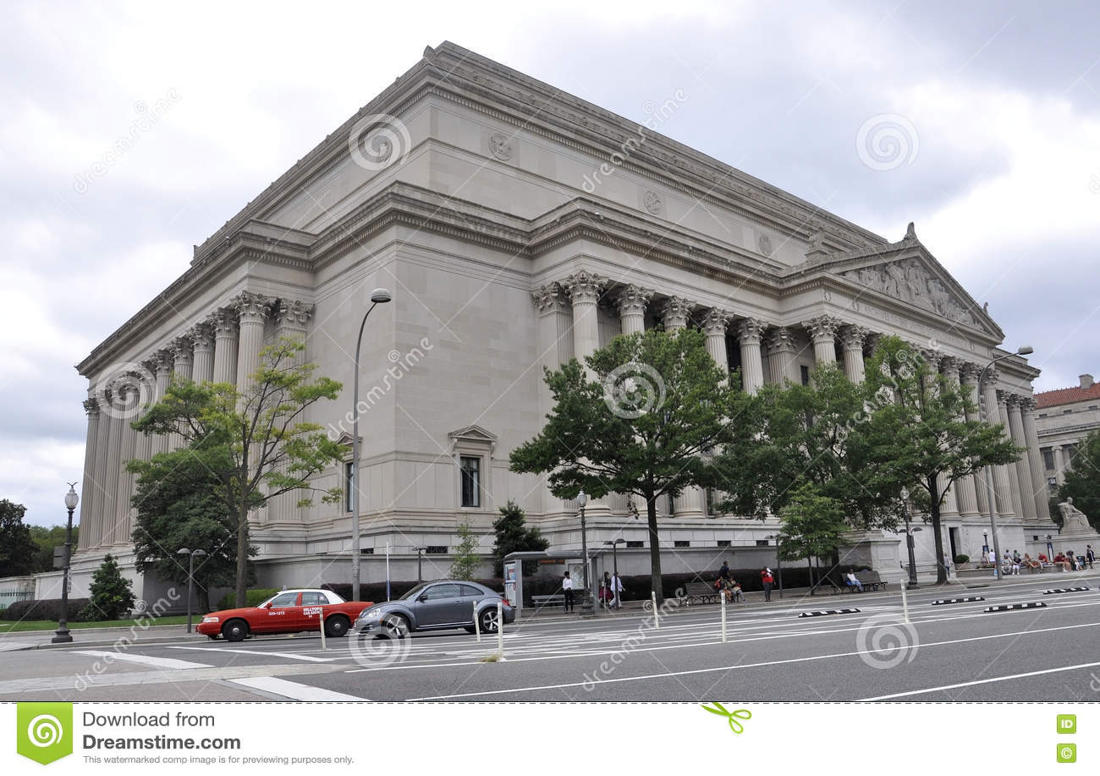 Washington DC, Sierpień 5th: Amerykański obywatel Archiwizuje budynek od Waszyngtońskiego dystryktu kolumbii