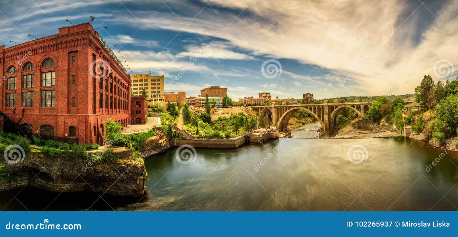 Washington Water Power-de bouw en Monroe Street Bridge in Spokane