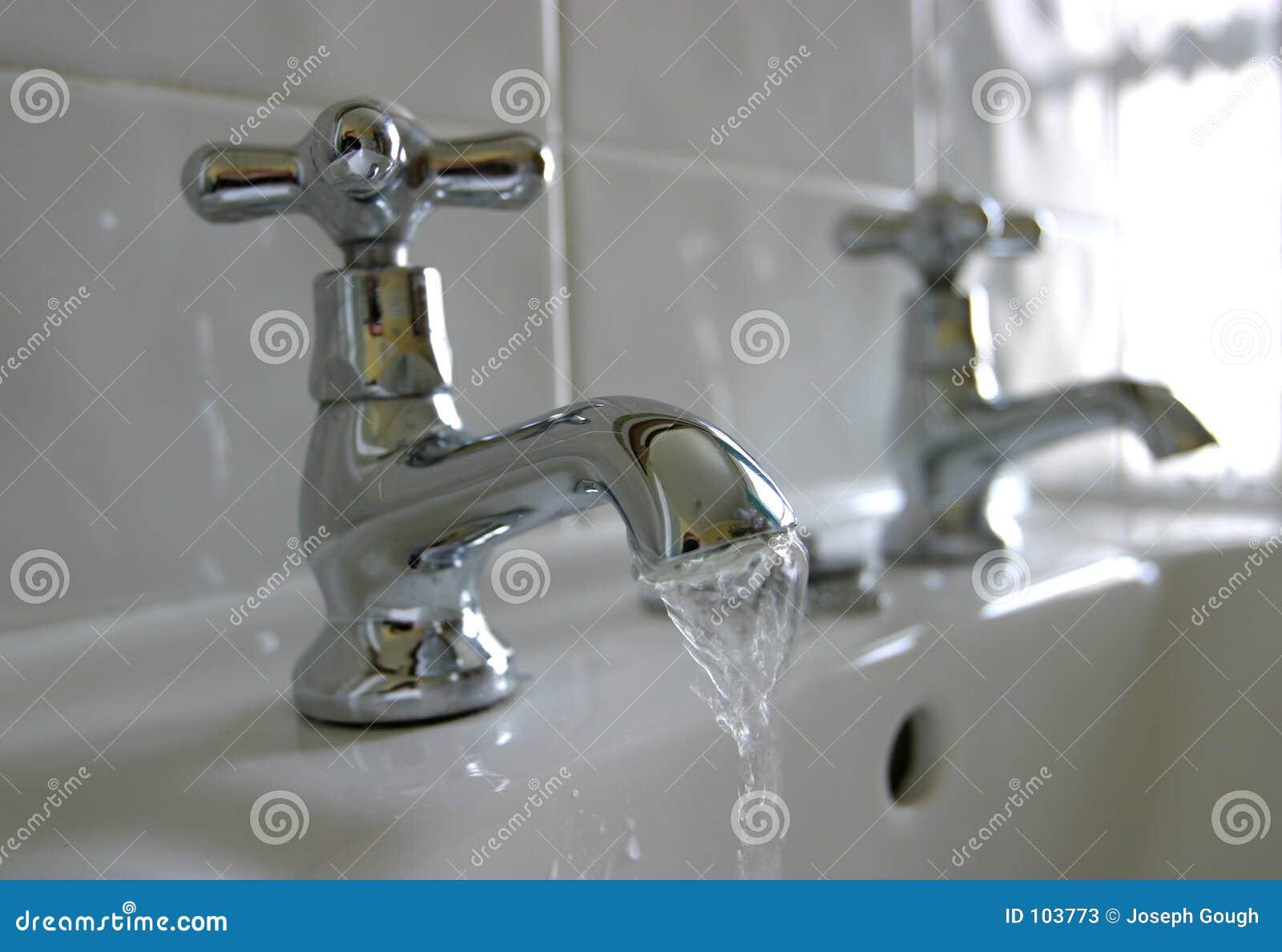 Wasser-Badezimmer-Hähne