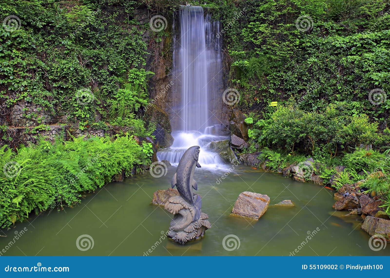 Download Wasserfall Im Tropischen Zengarten Stockfoto   Bild Von Dusche,  Ruhig: 55109002