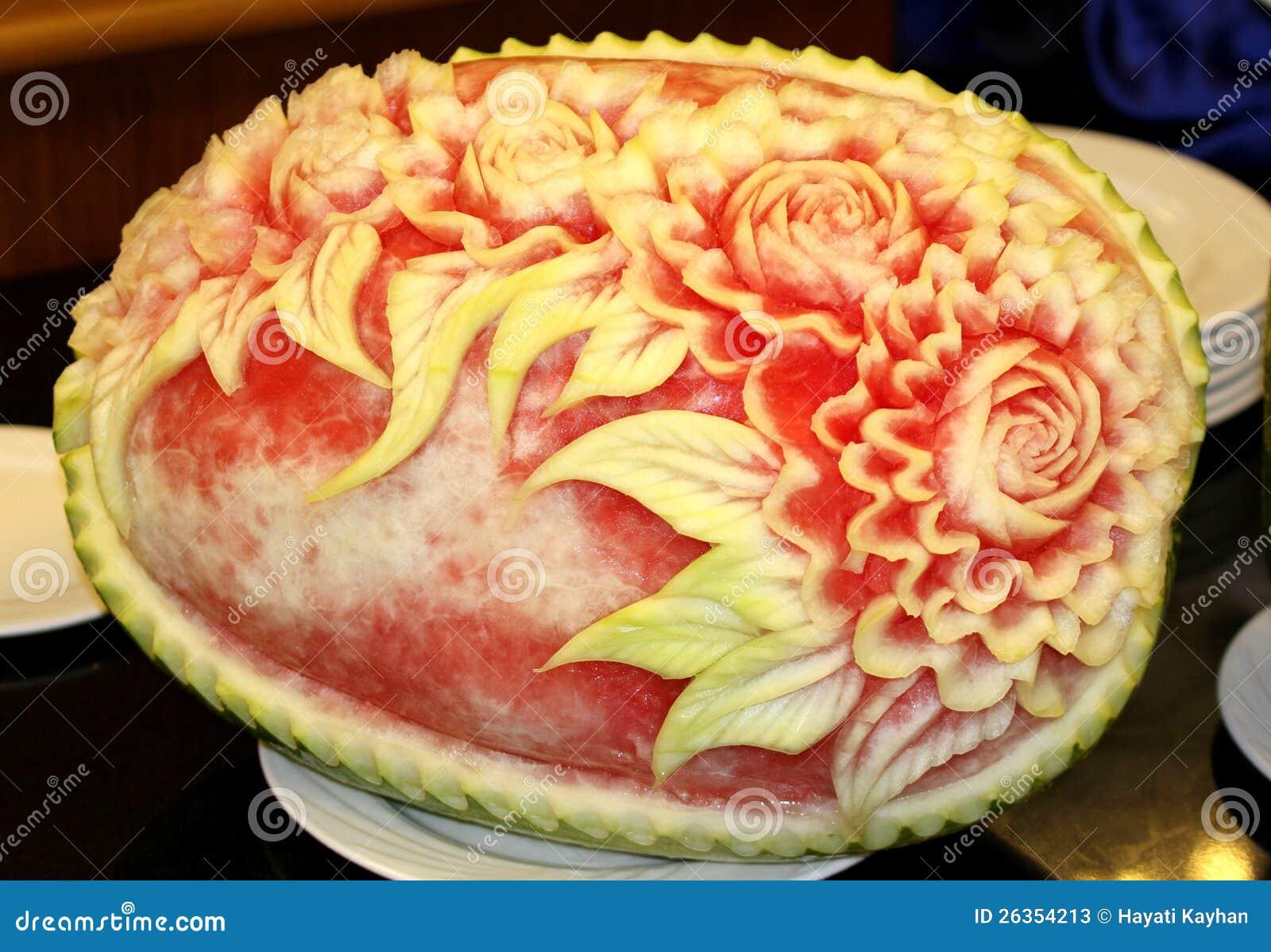 Wassermelone, die Kunst schnitzt