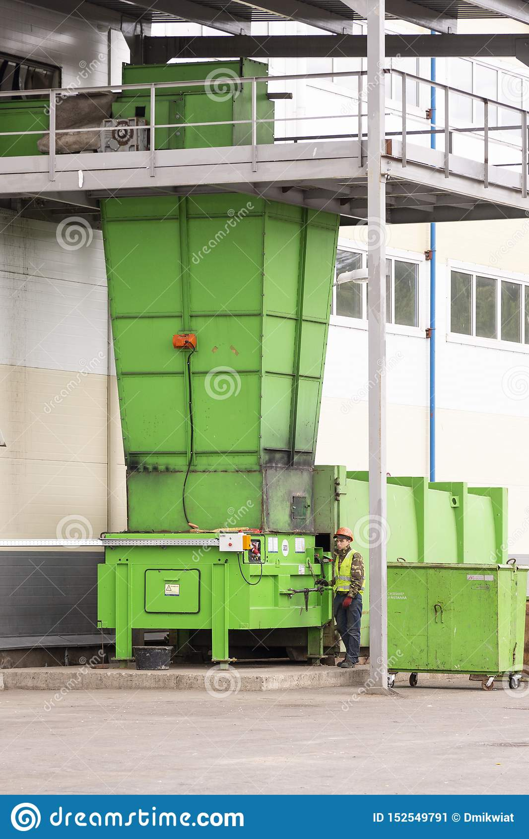 Waste processing plant. Technological process for acceptance, storage, sorting and further processing of waste for their recycling