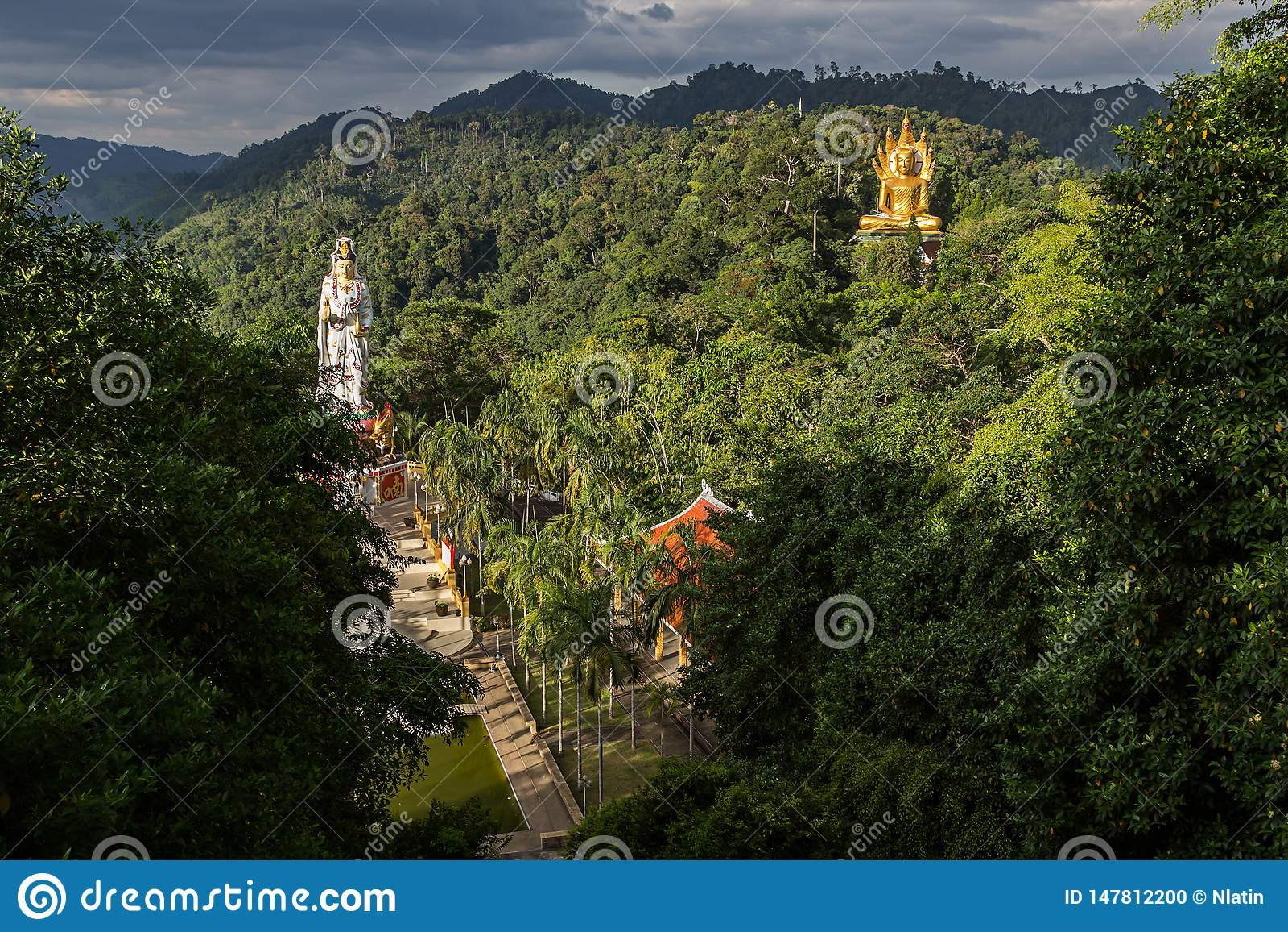 Wat轰隆Riang在泰国,亚洲