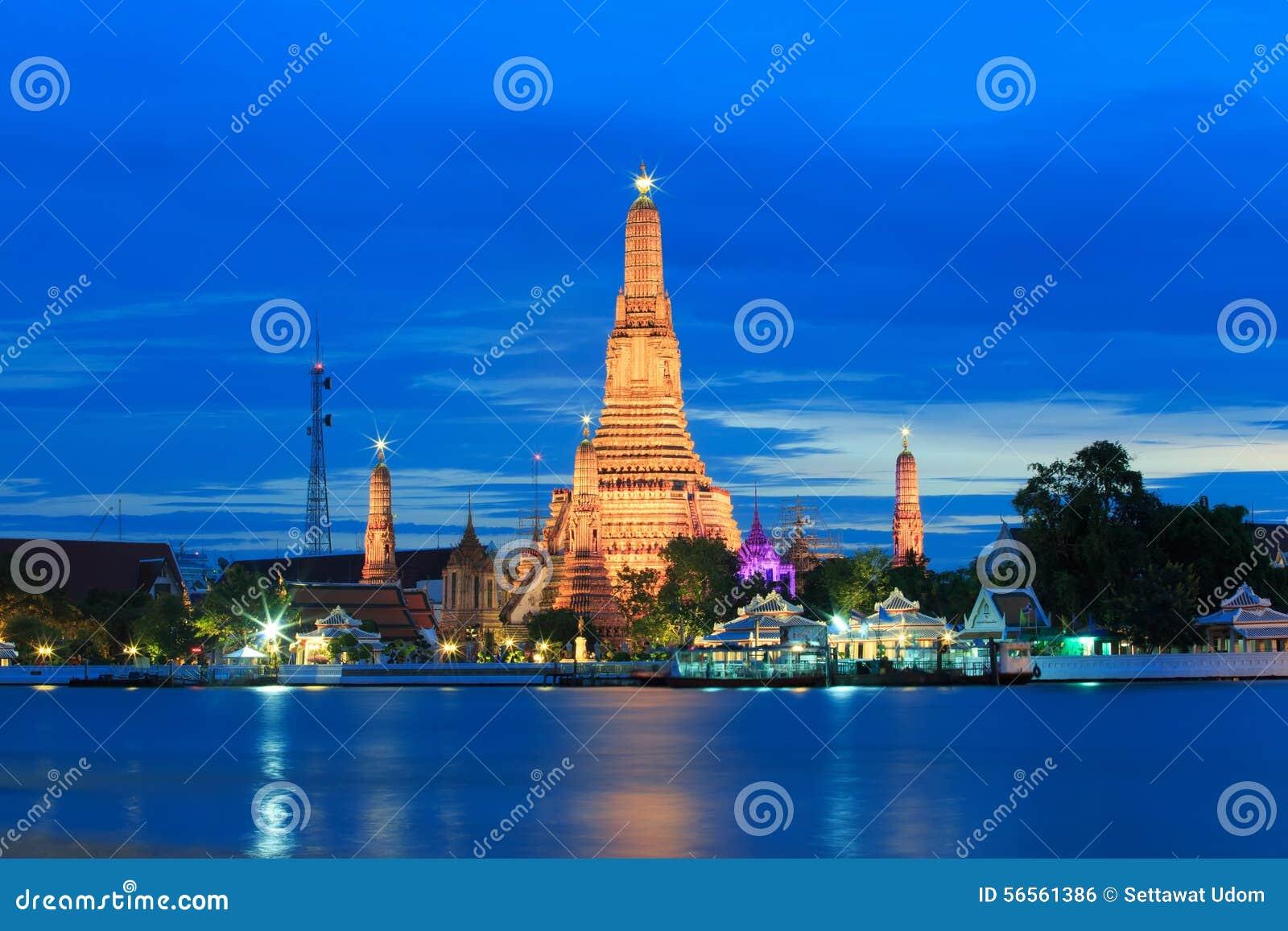 Download Wat Arun ή ναός της Dawn στοκ εικόνες. εικόνα από ναός - 56561386