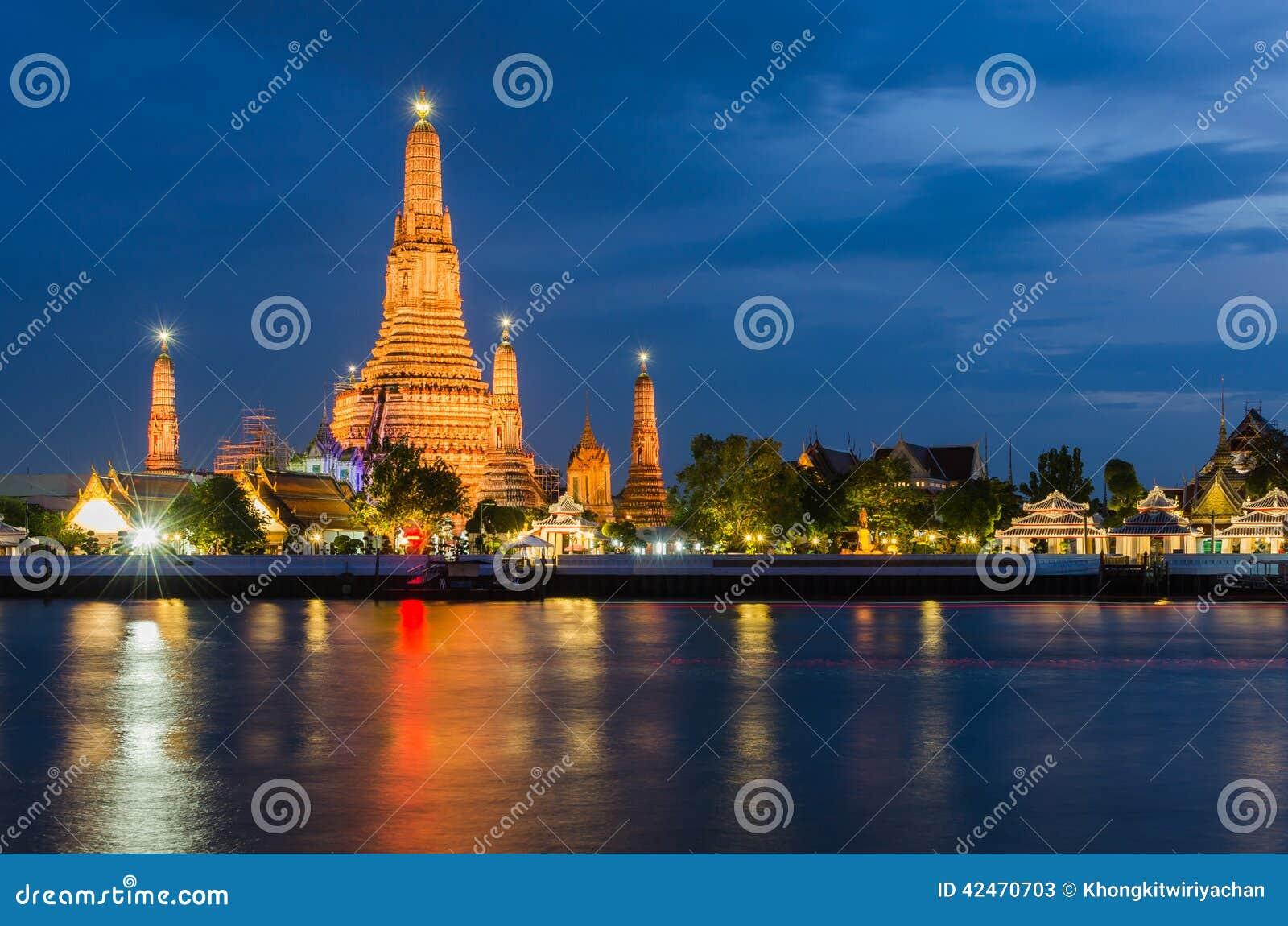Wat Arun, der Tempel von Dämmerung, an der Dämmerung