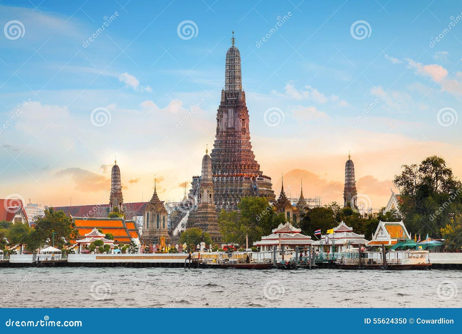 Wat Arun - templet av gryning i Bangkok