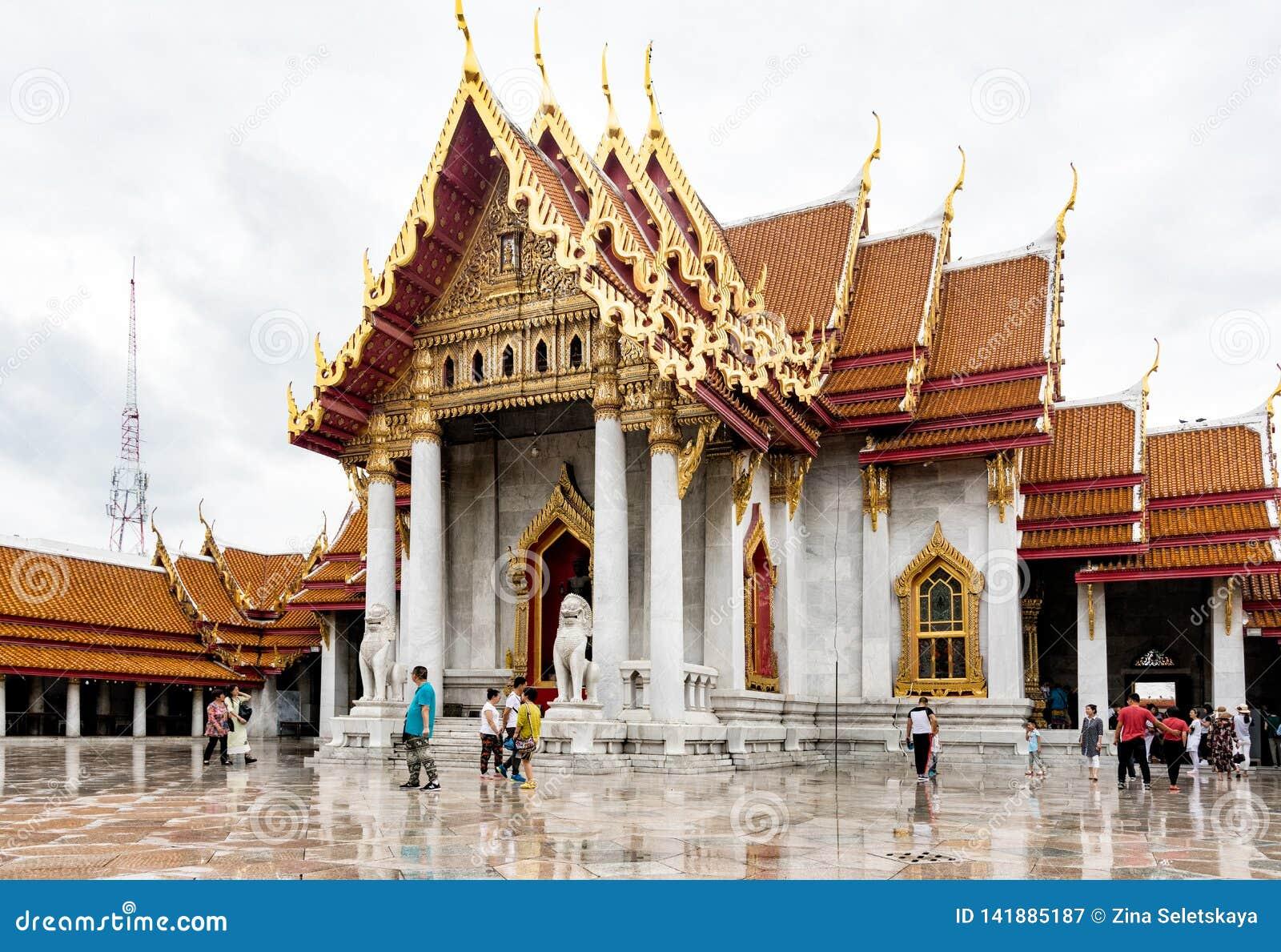 Wat Benchamabophit Marmurowy świątynny Bangkok