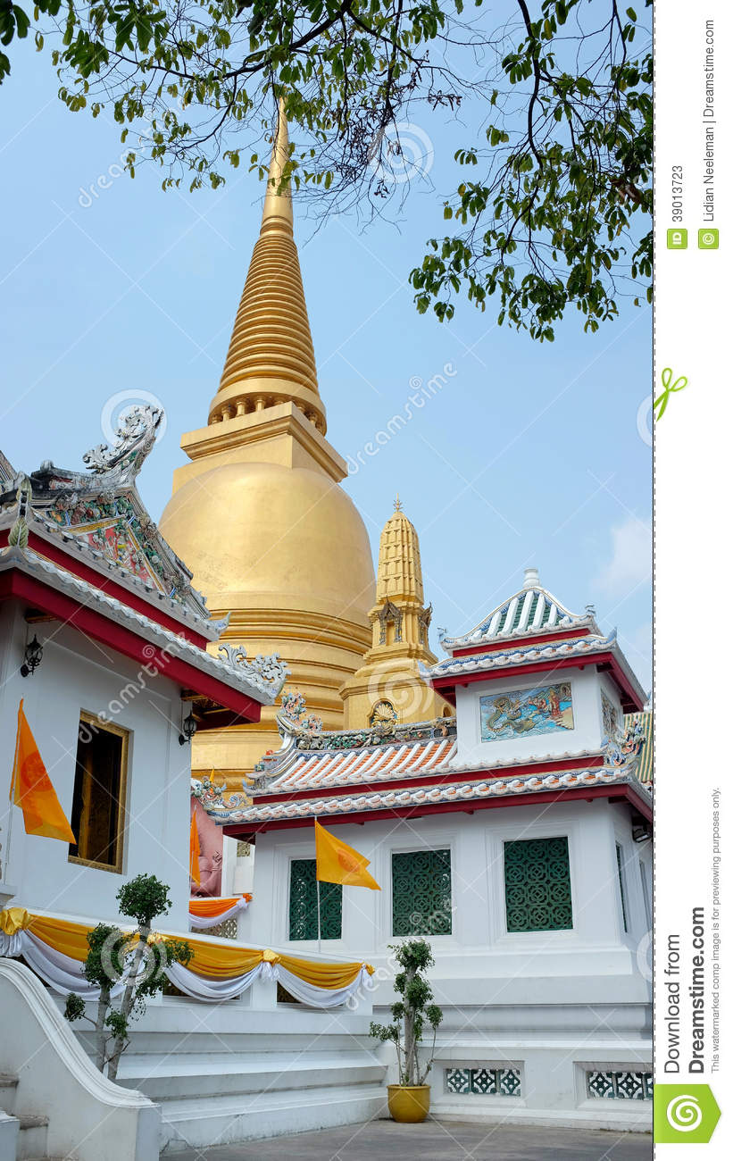 Wat Bowonniwet Vihara, Bangkok Stock Photo - Image: 39013723