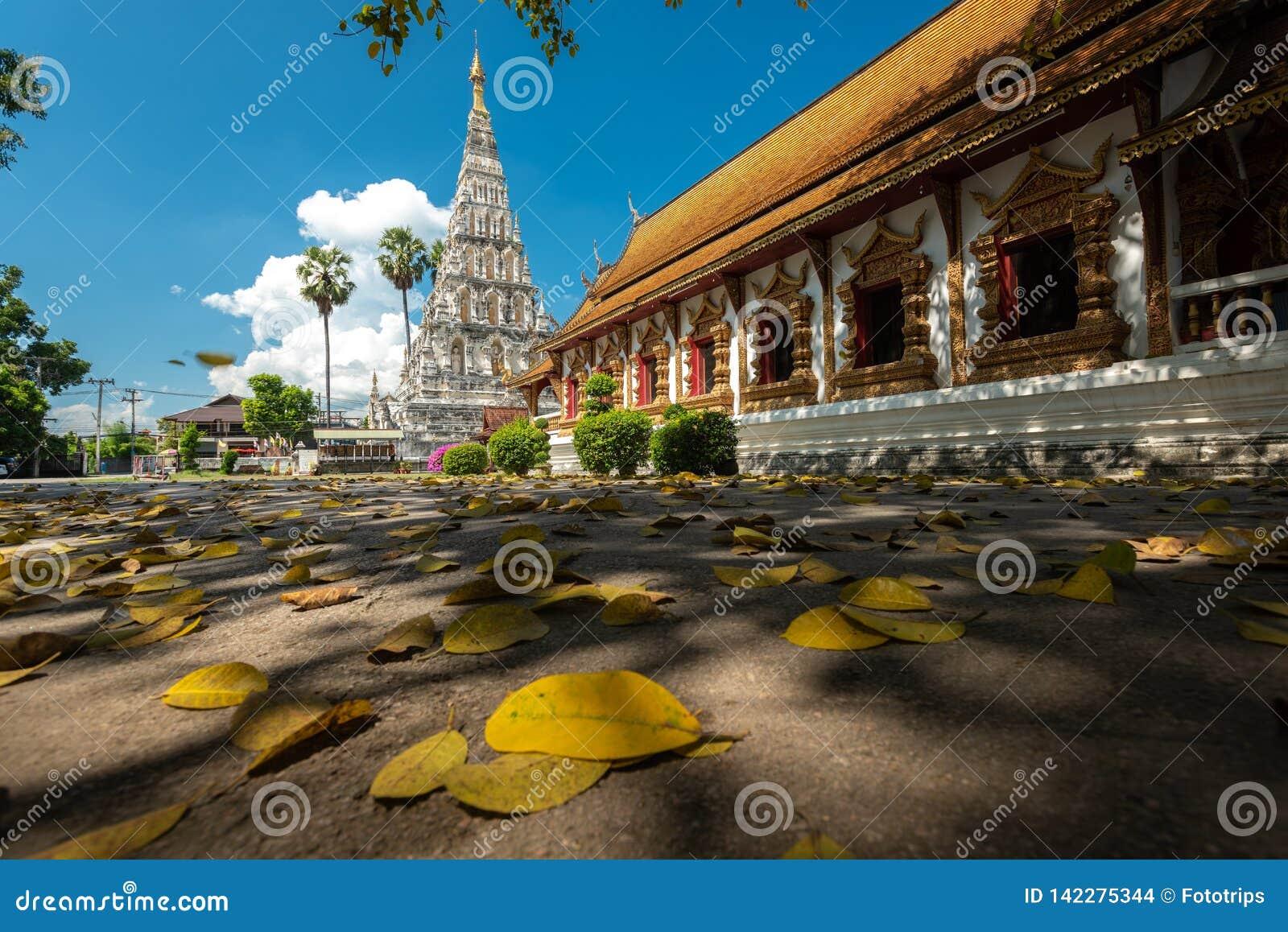 Wat Chedi Liam Wat Ku Kham ή ναός της τακτοποιημένης παγόδας στην αρχαία πόλη Wiang Kum Kam, Chiang Mai, Ταϊλάνδη