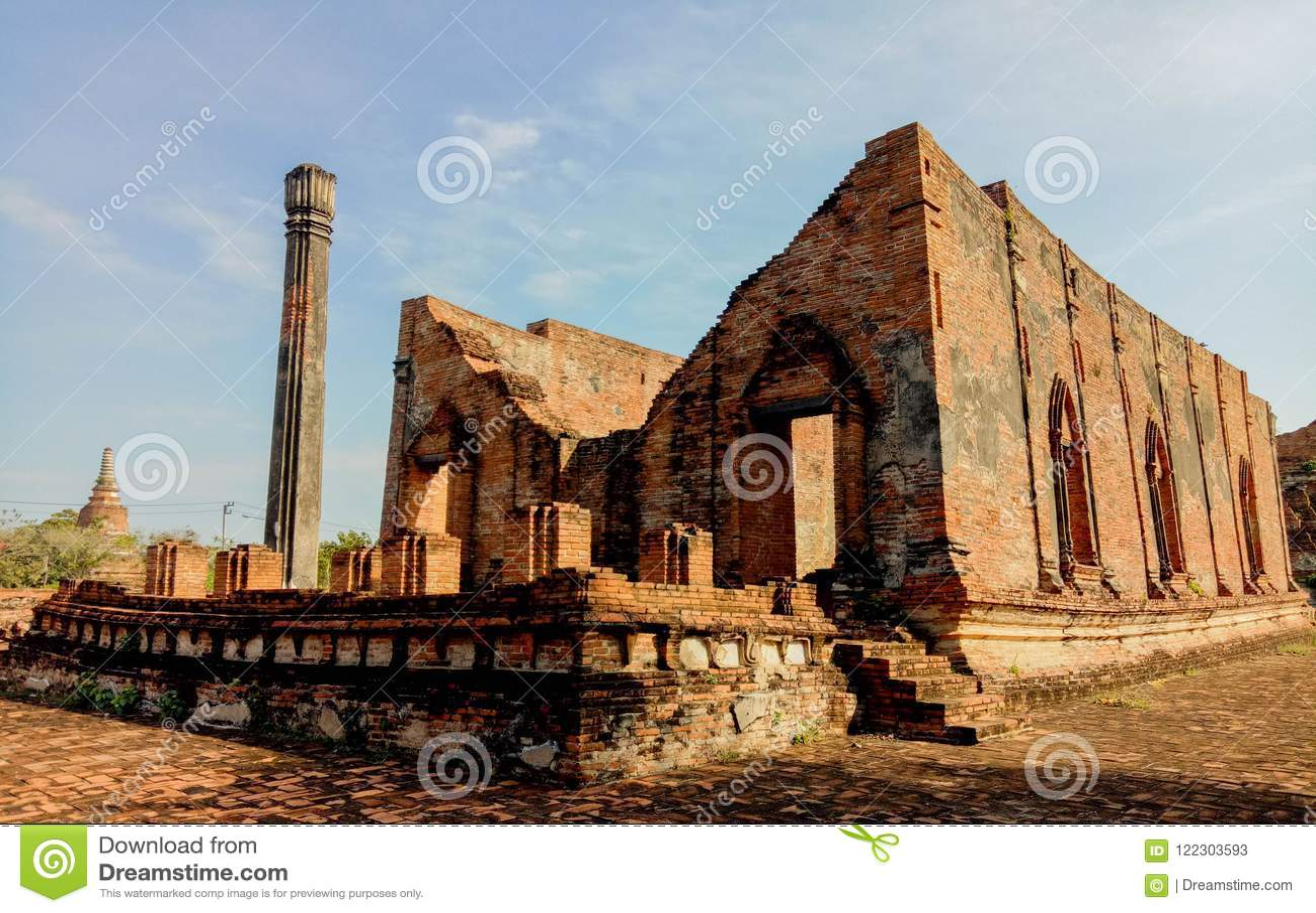 Wat Gudidao le vieux temple à Ayutthaya, construit pendant le règne du Roi Narai t il grand en Thaïlande