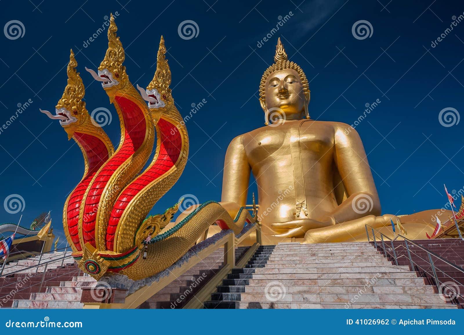 Wat Muang in Ang Thong